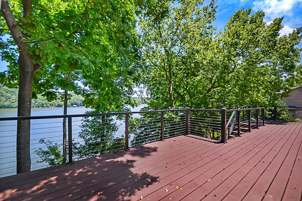 Large Deck w/ Lake Views