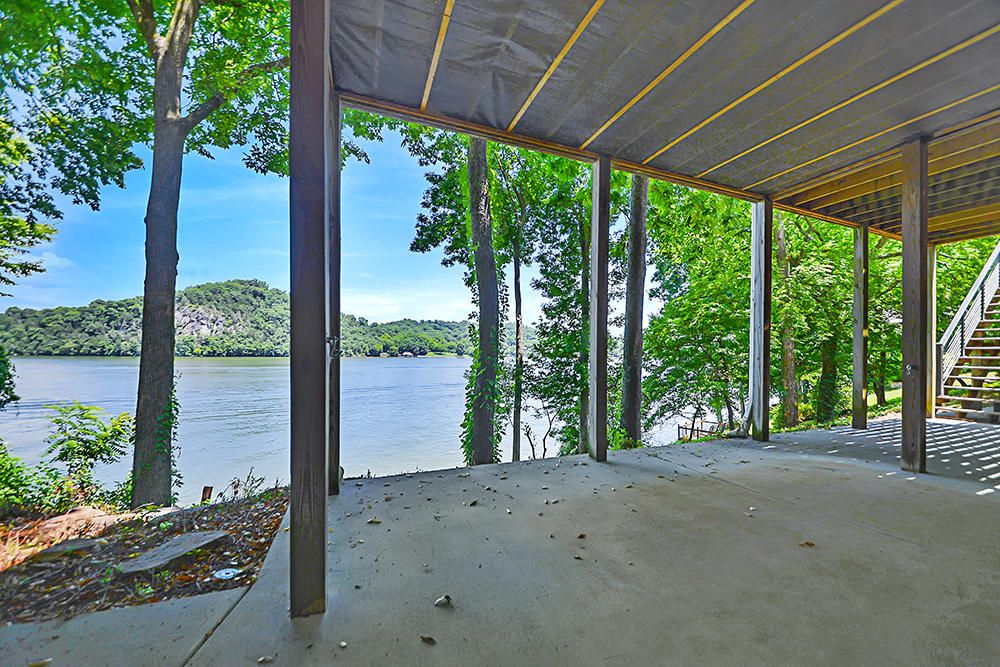 Patio Facing the Lake