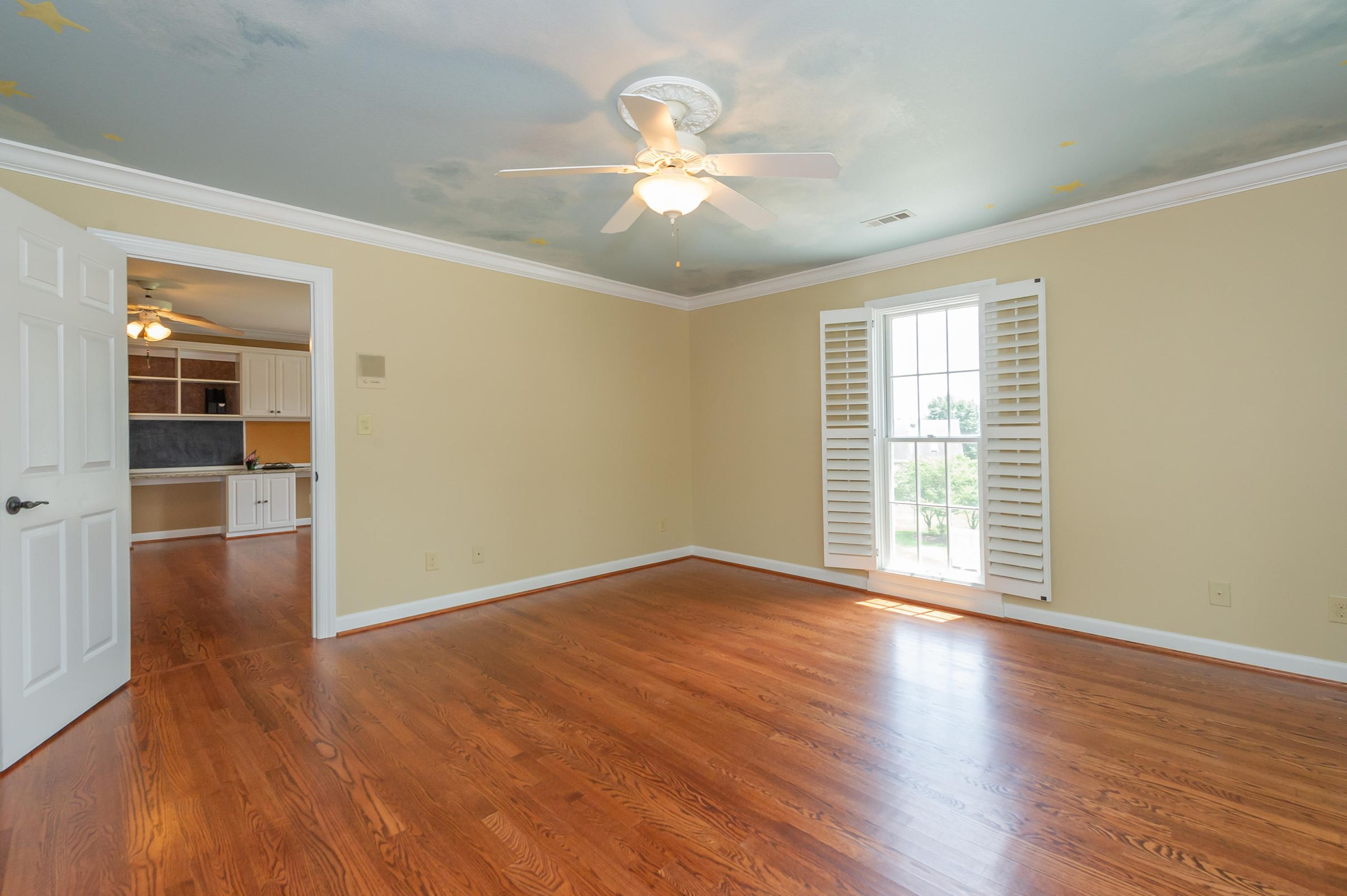 4TH BR IN 2ND FLOOR