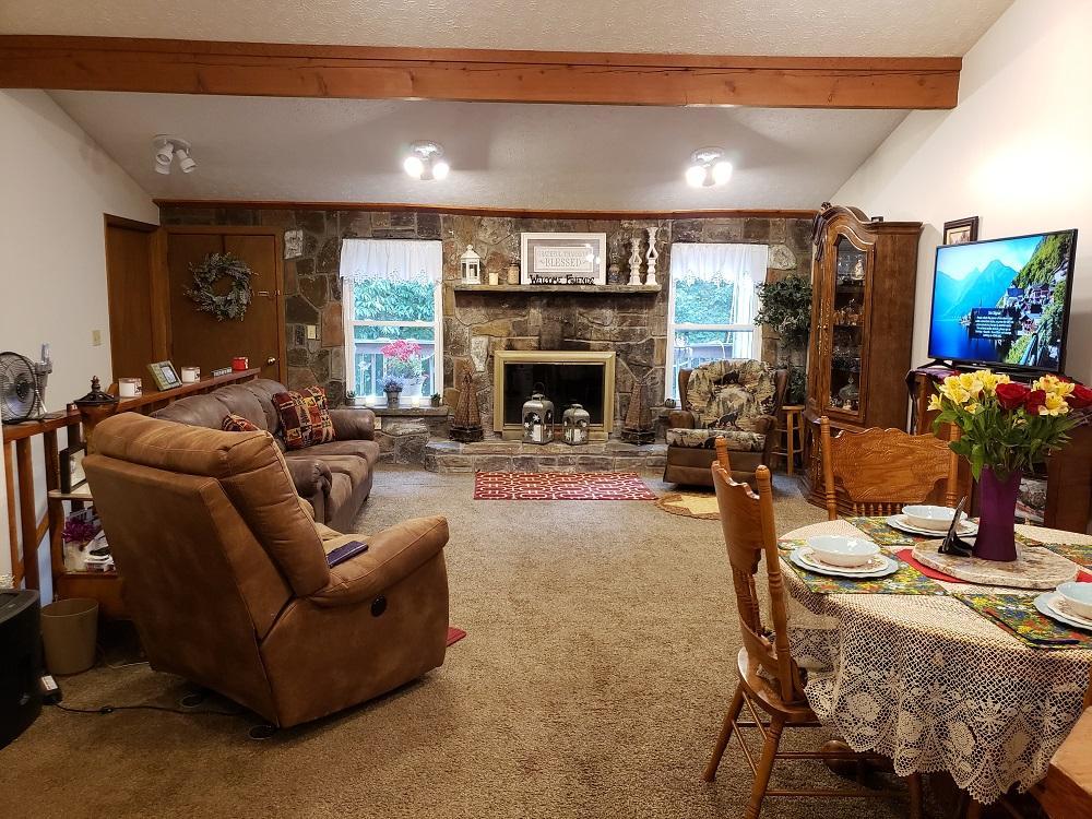 Living area B