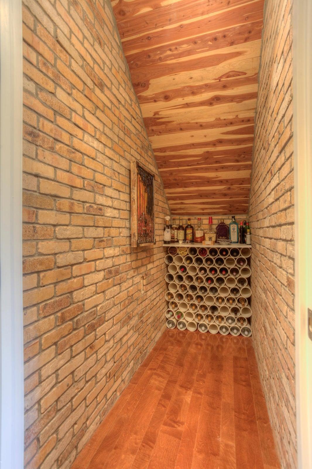 Wine Closet_001