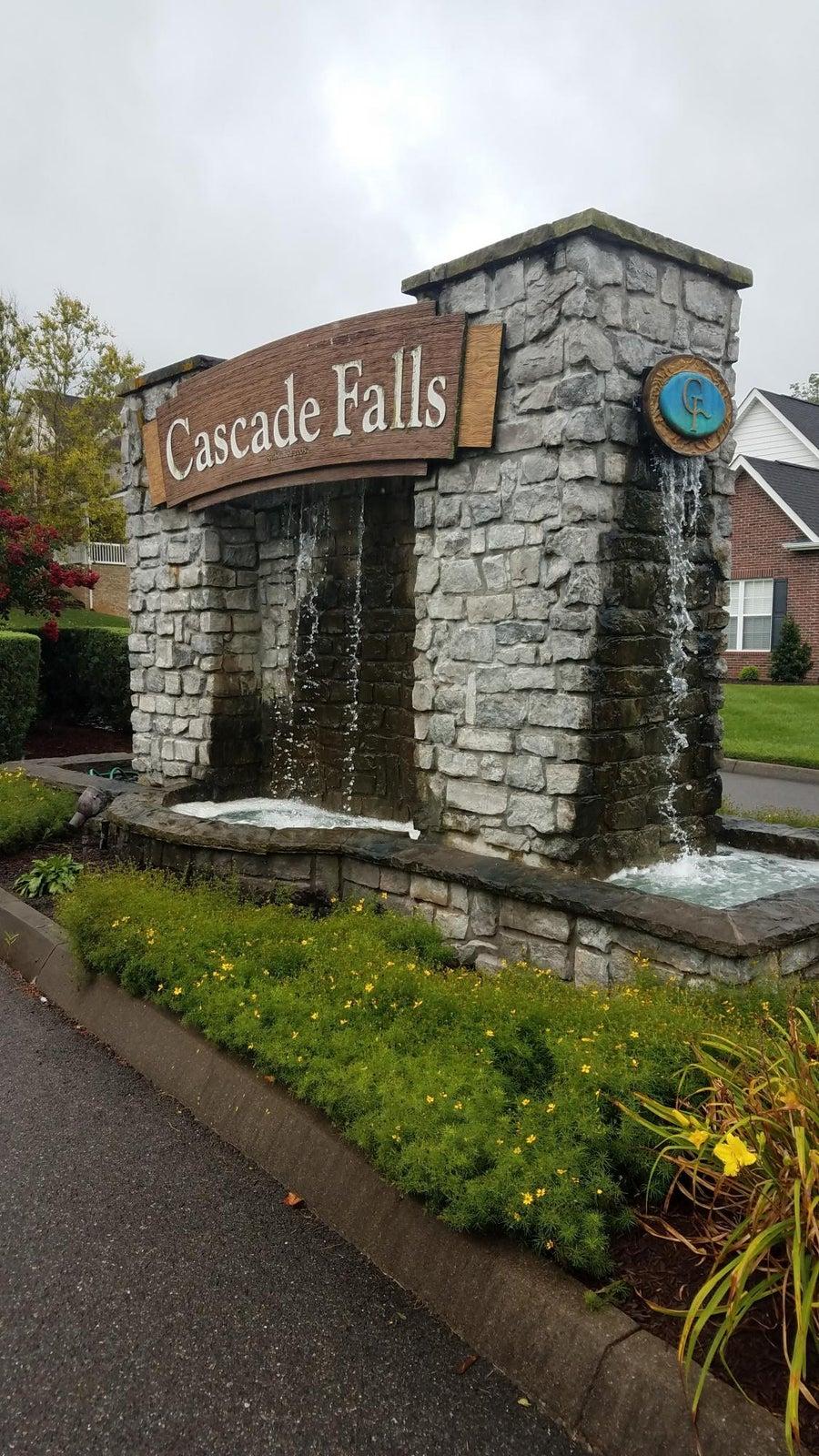 cascade falls entrance