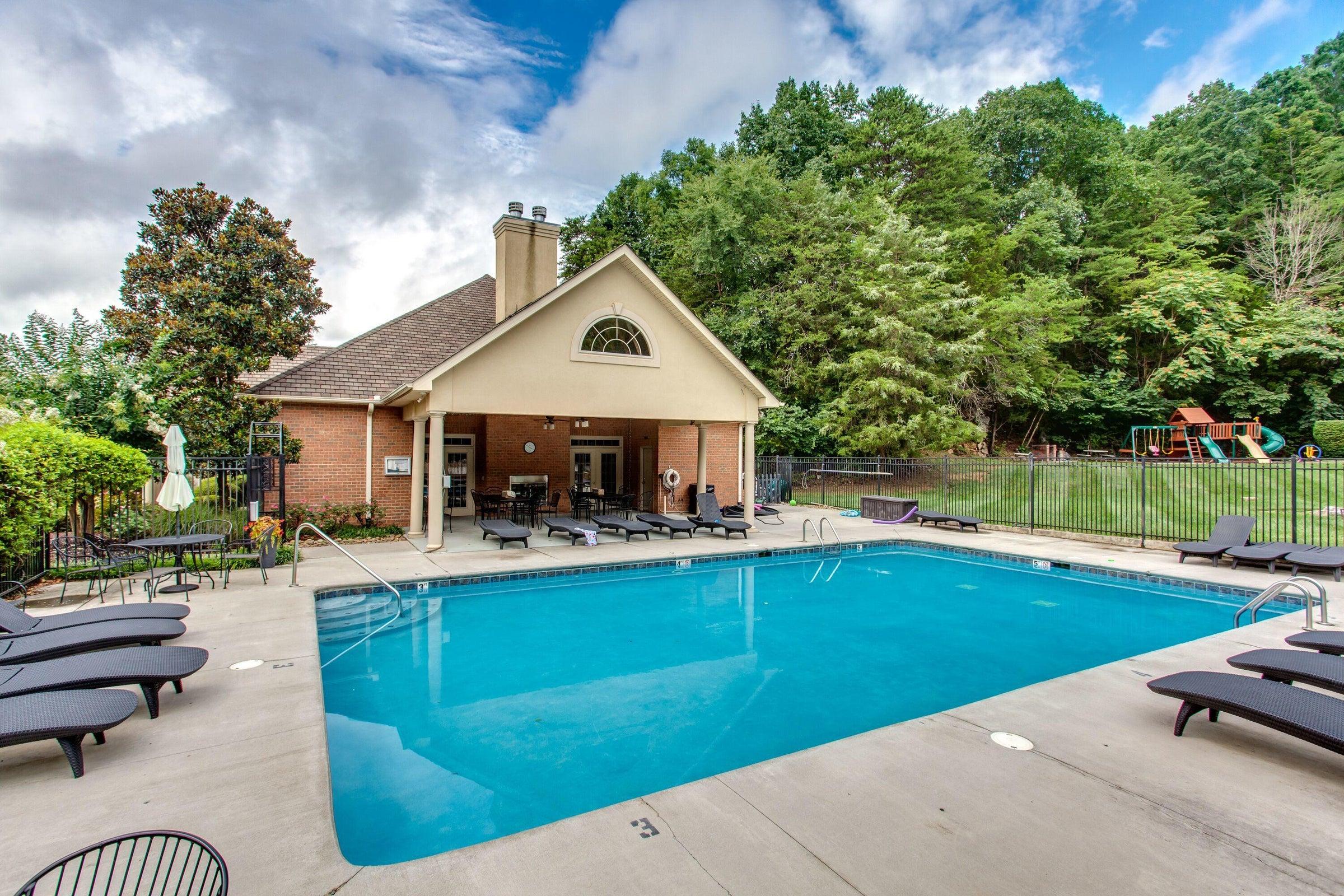 pool club house 2