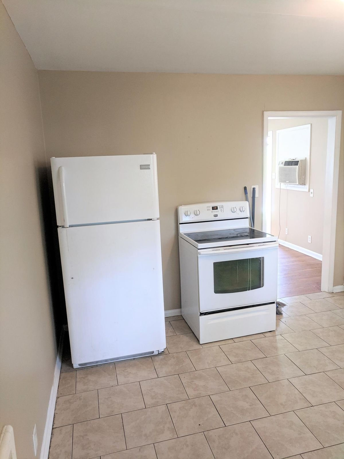 Kitchen 5504 5th St. #1