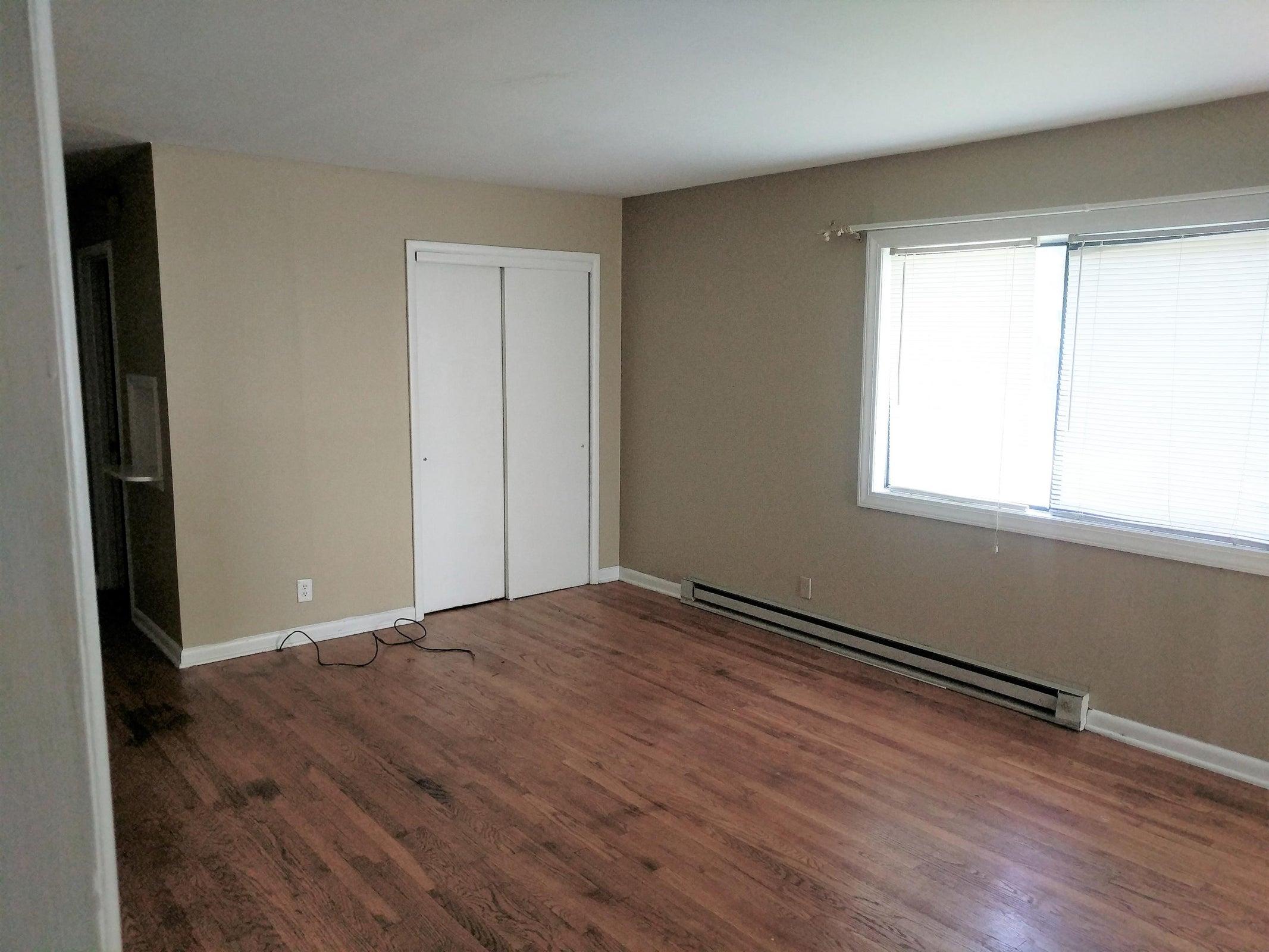 Family Room 5504 5th St. #1