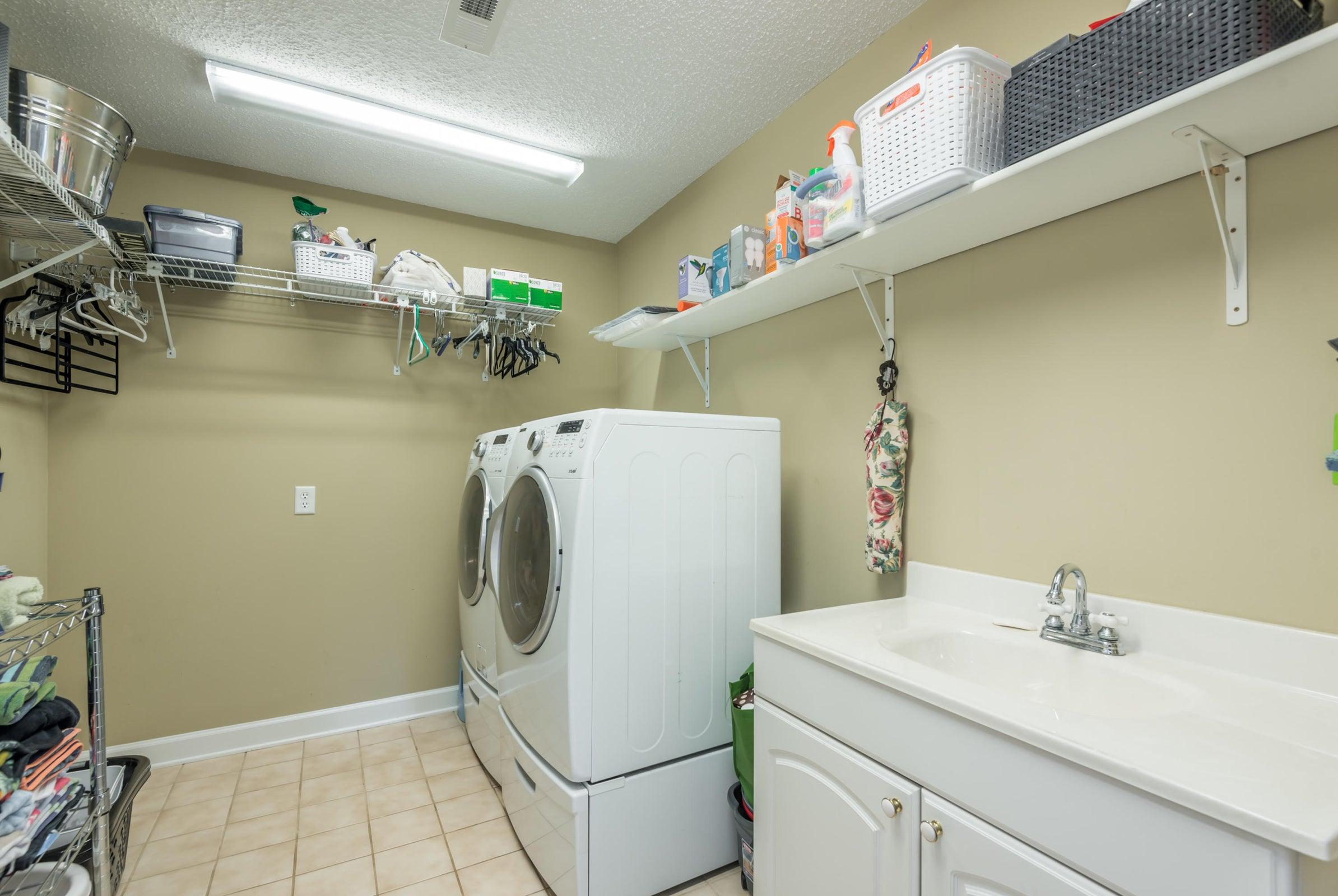 Walk-In Laundry