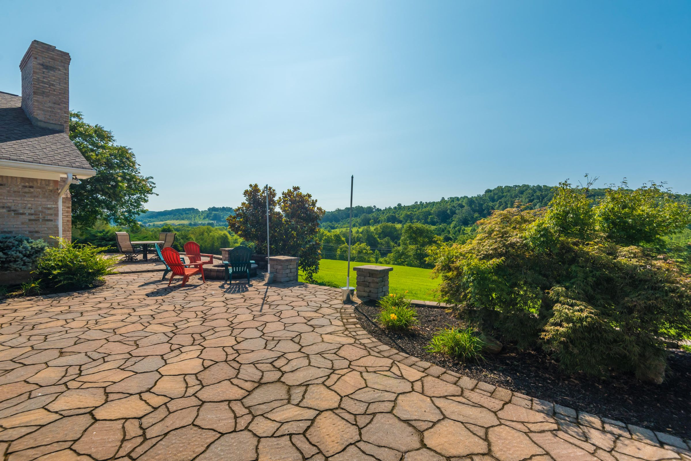 Large Patio with Gorgeous View!