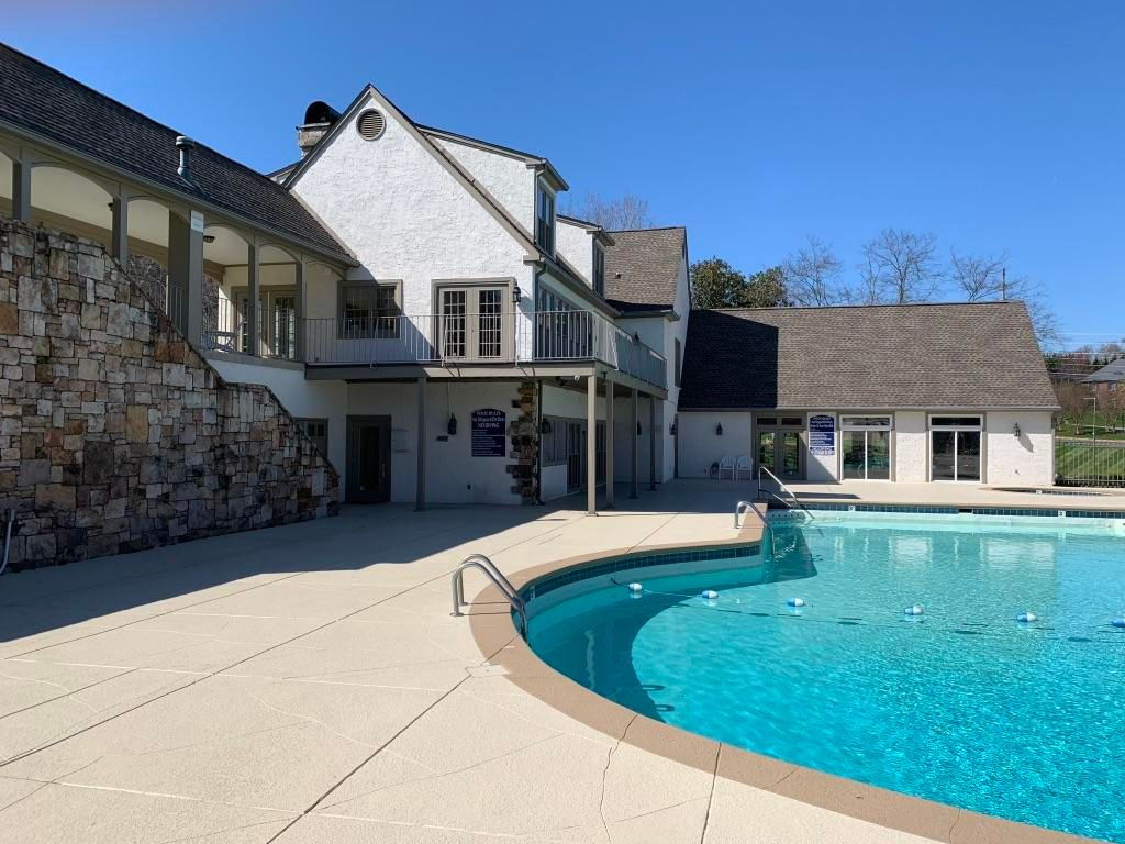 Clubhouse w/ Pool