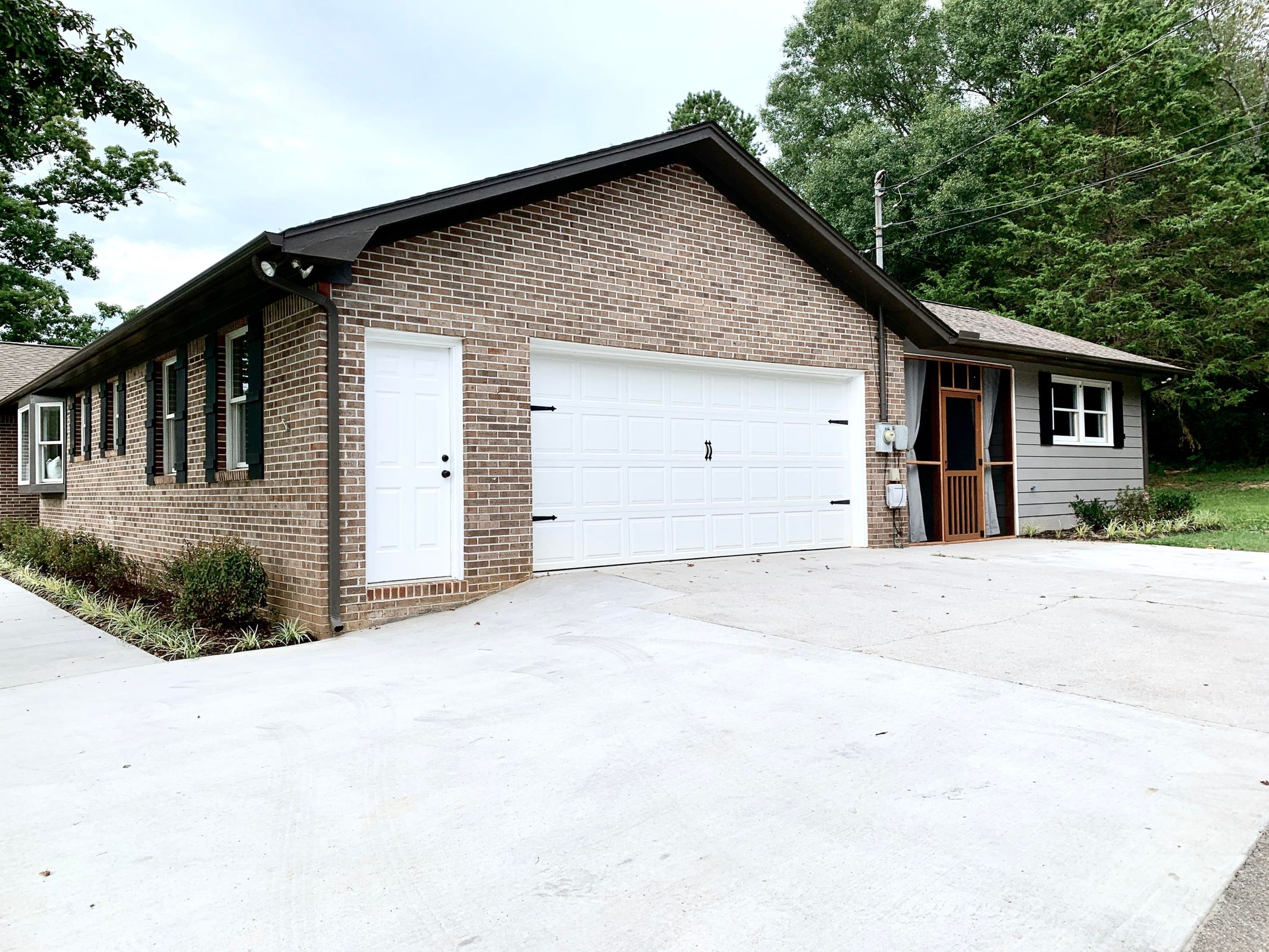2 car garage with extra driveway