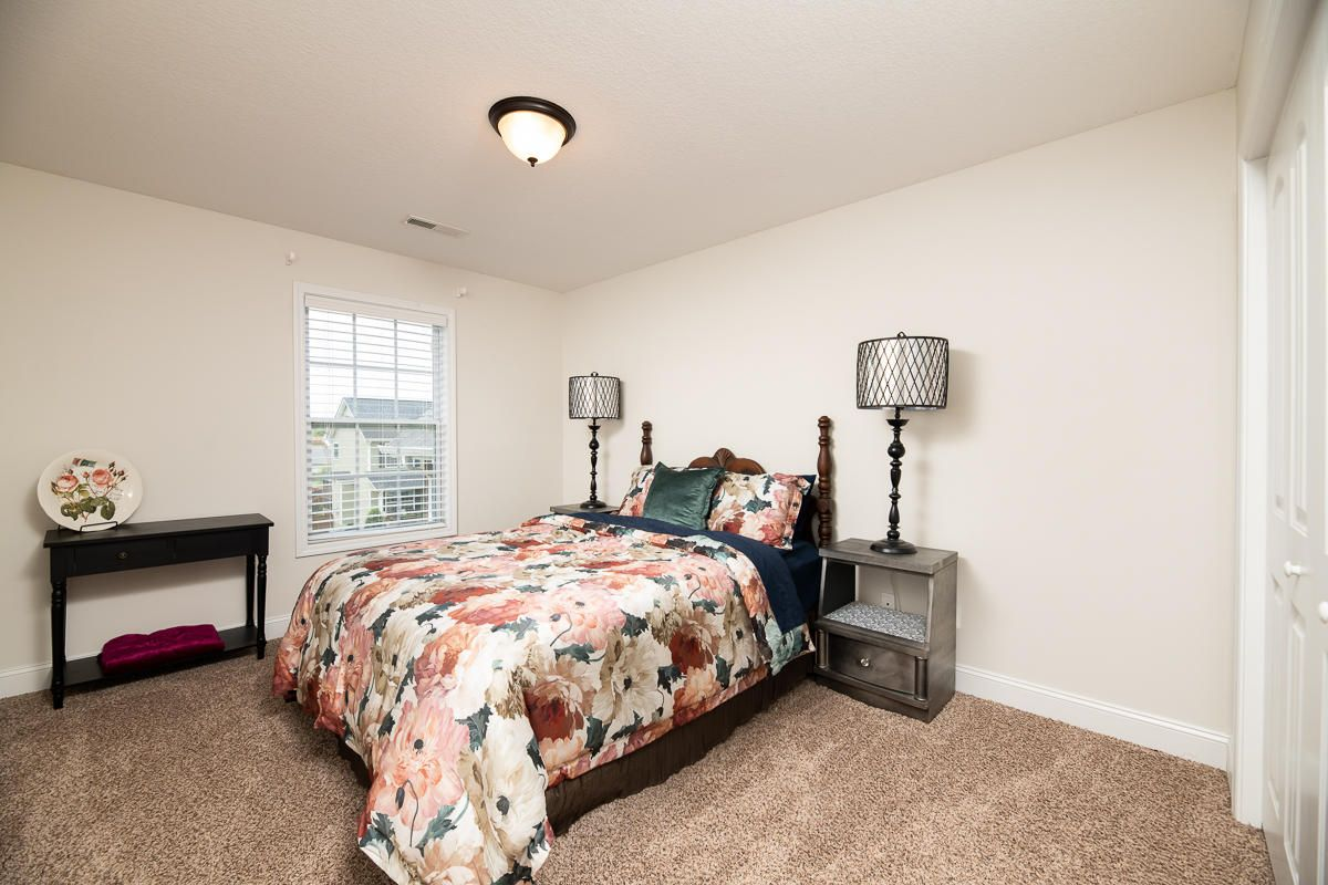 2522-Sparkling-Star-Ln-Knoxville-TN-17
