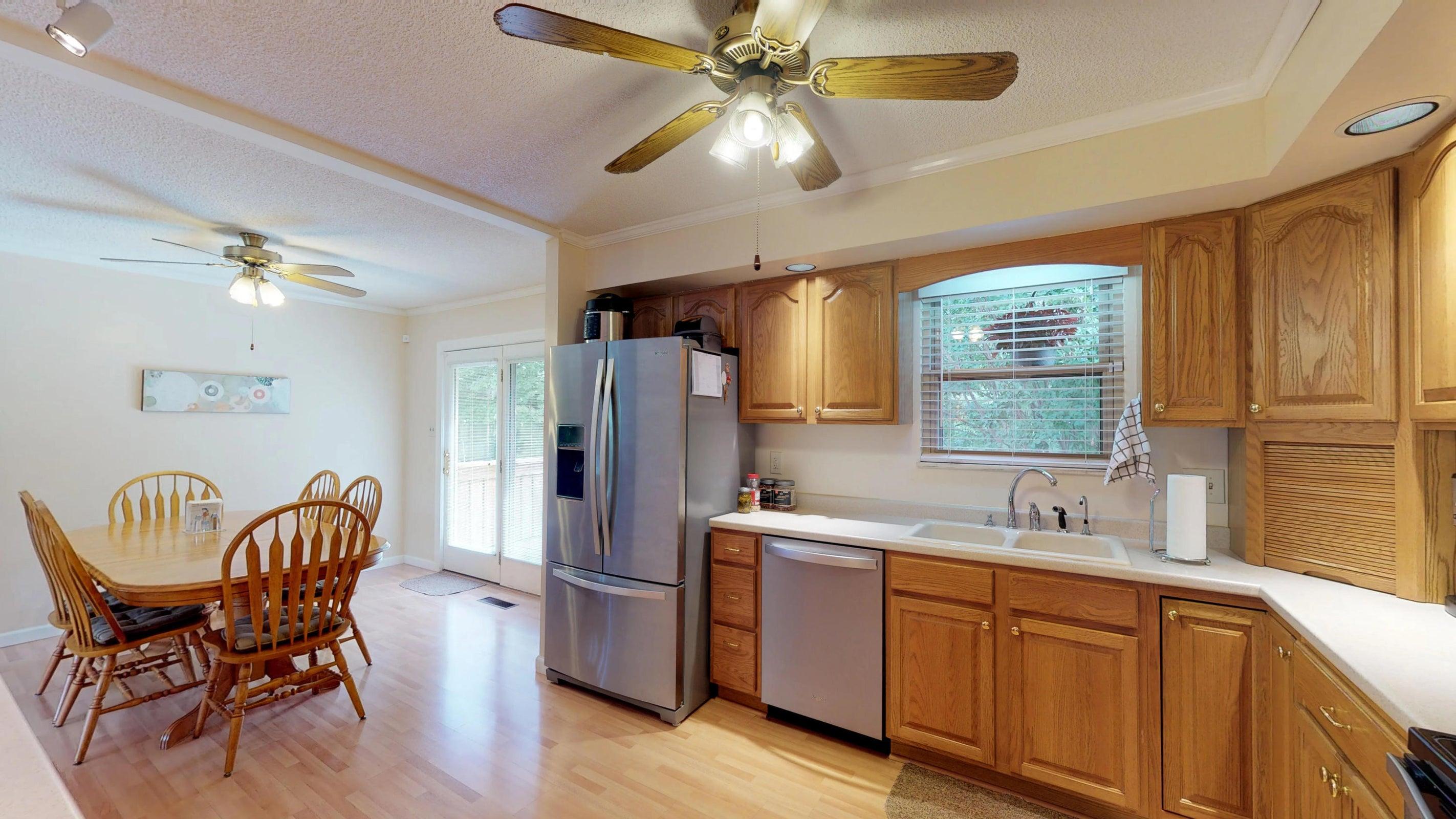 Galewood-Kitchen(1)