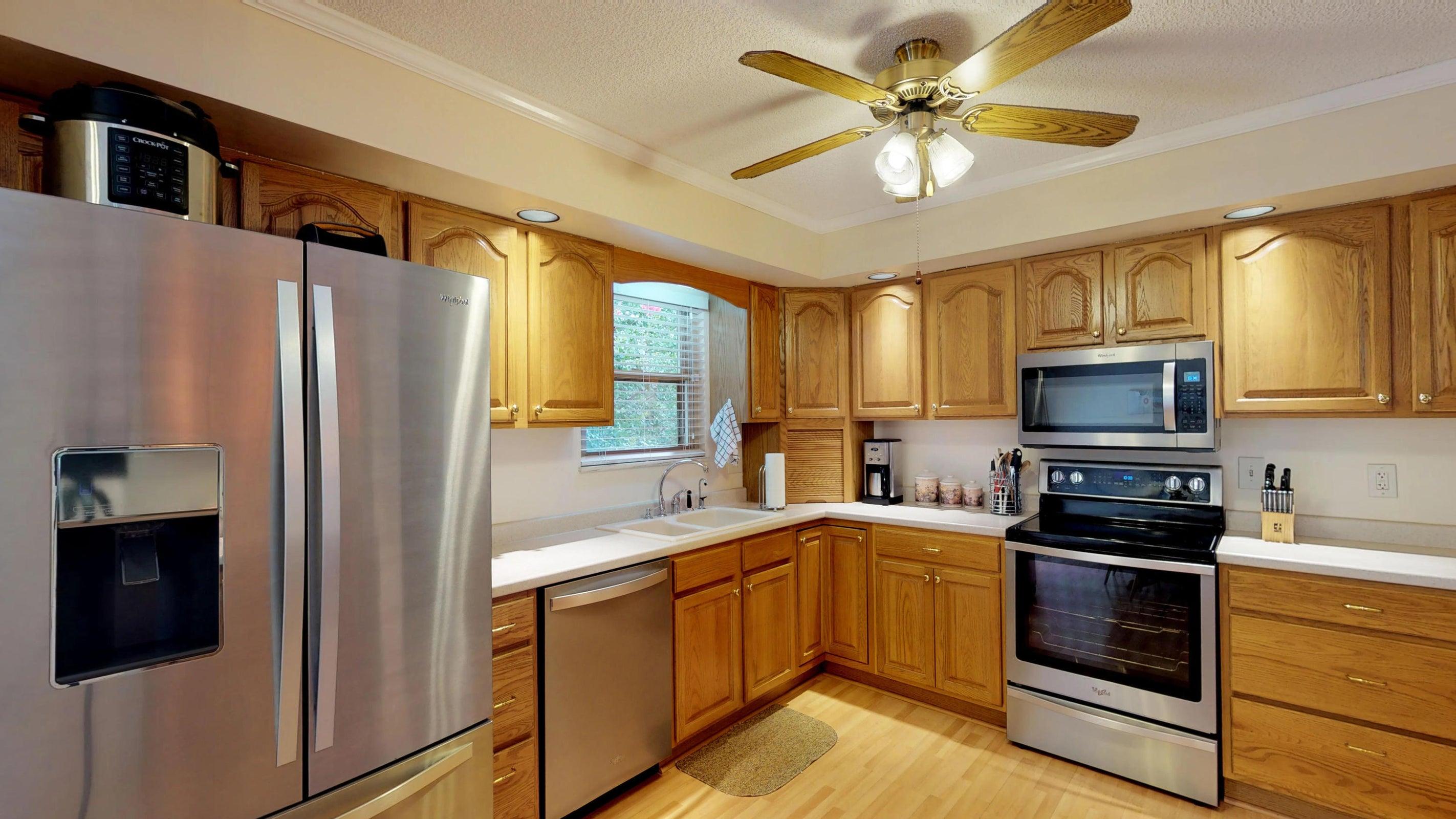 Galewood-Kitchen(2)