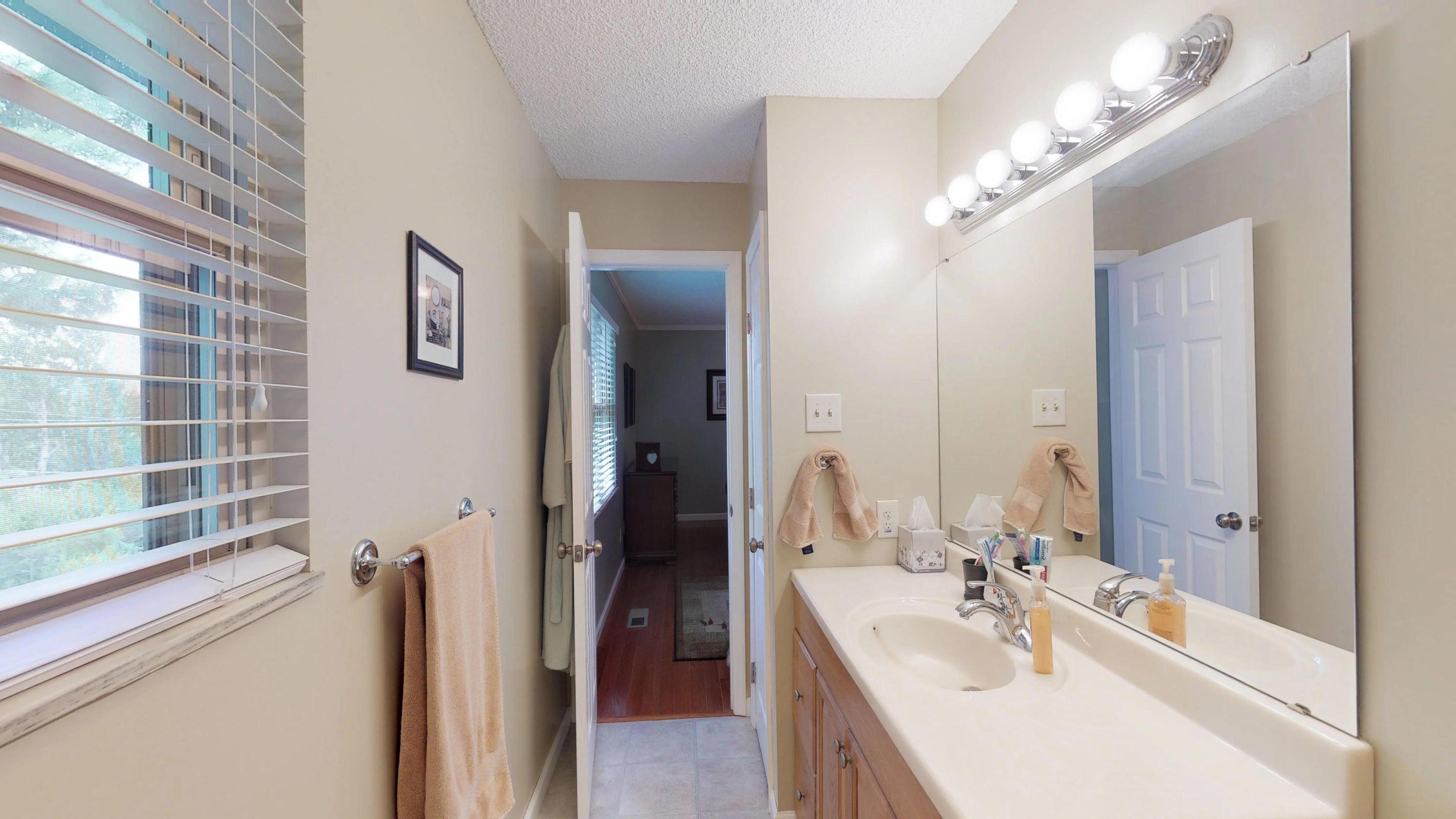 Galewood-Master-Bathroom