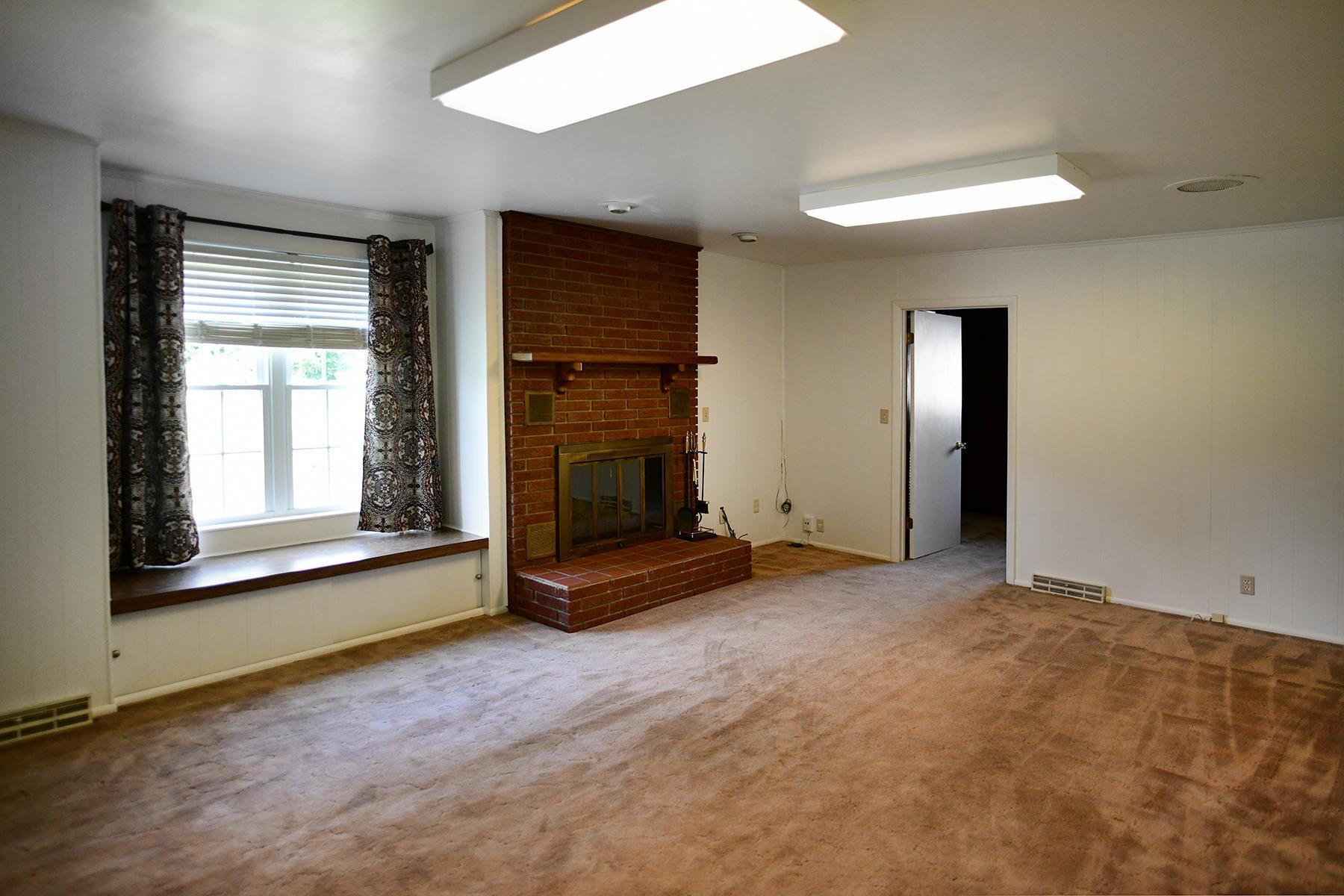 Den/Family Room