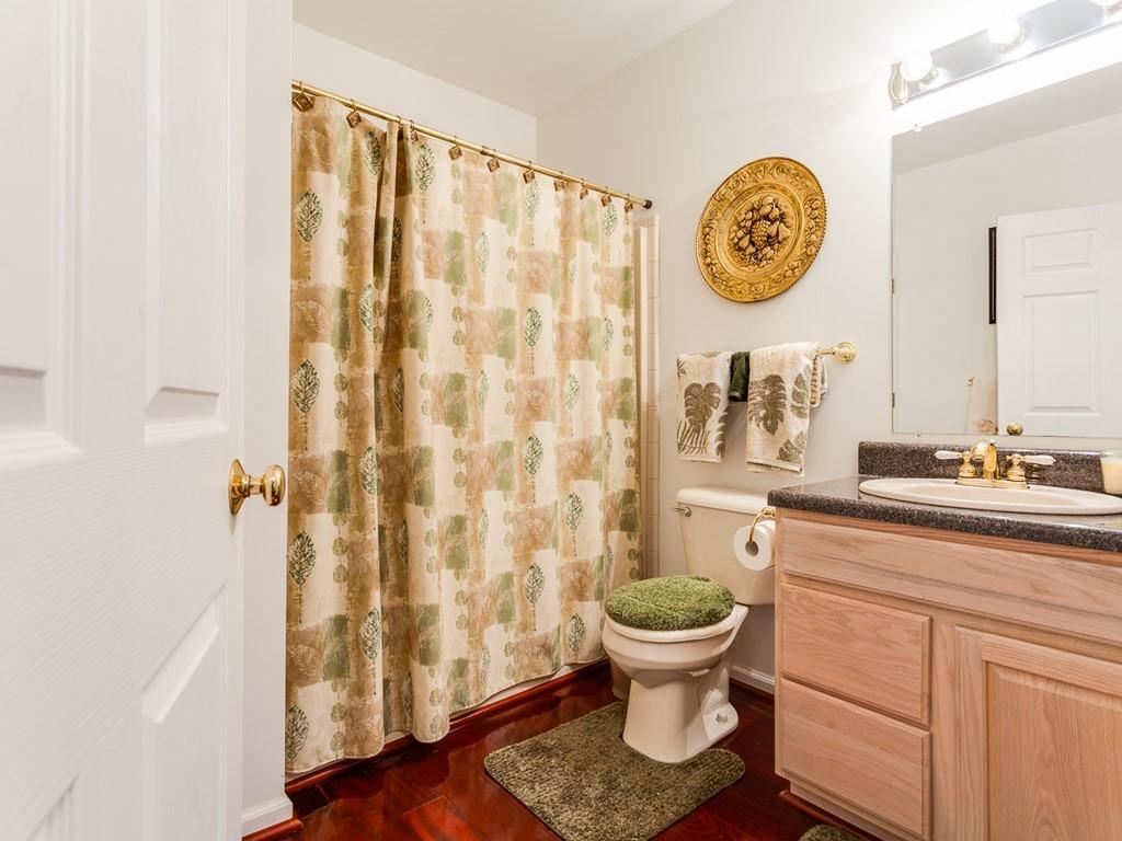 030_Downstairs Bath