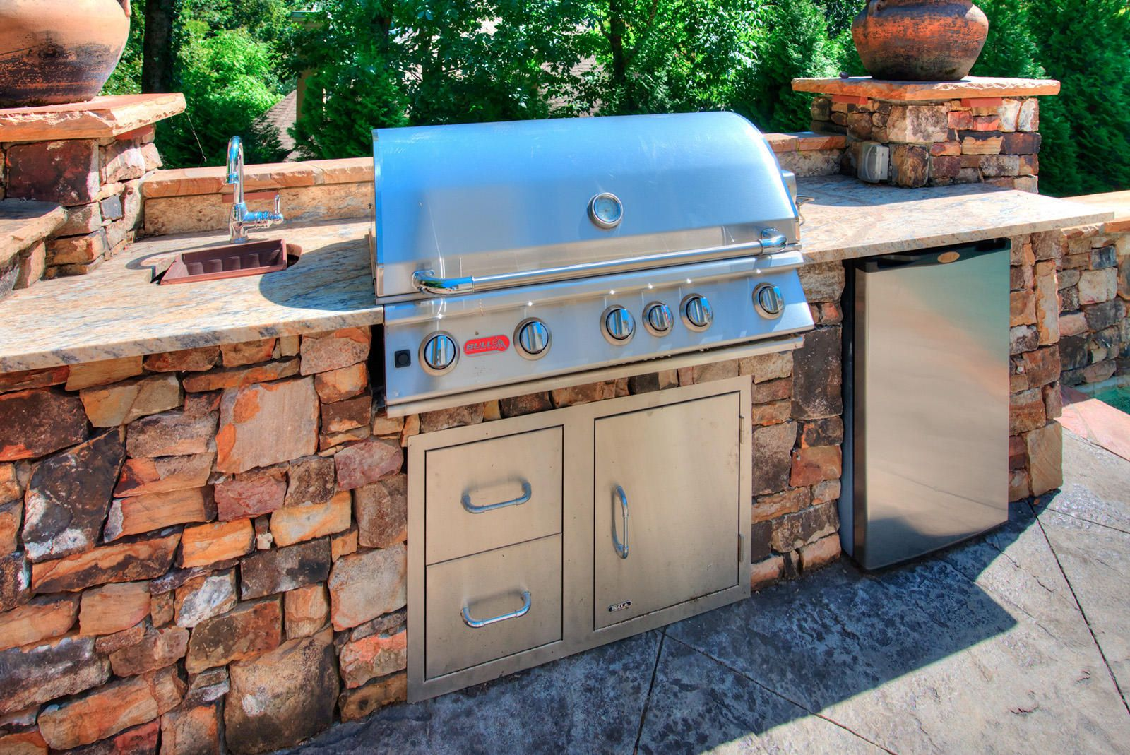 Ext Pool Grill