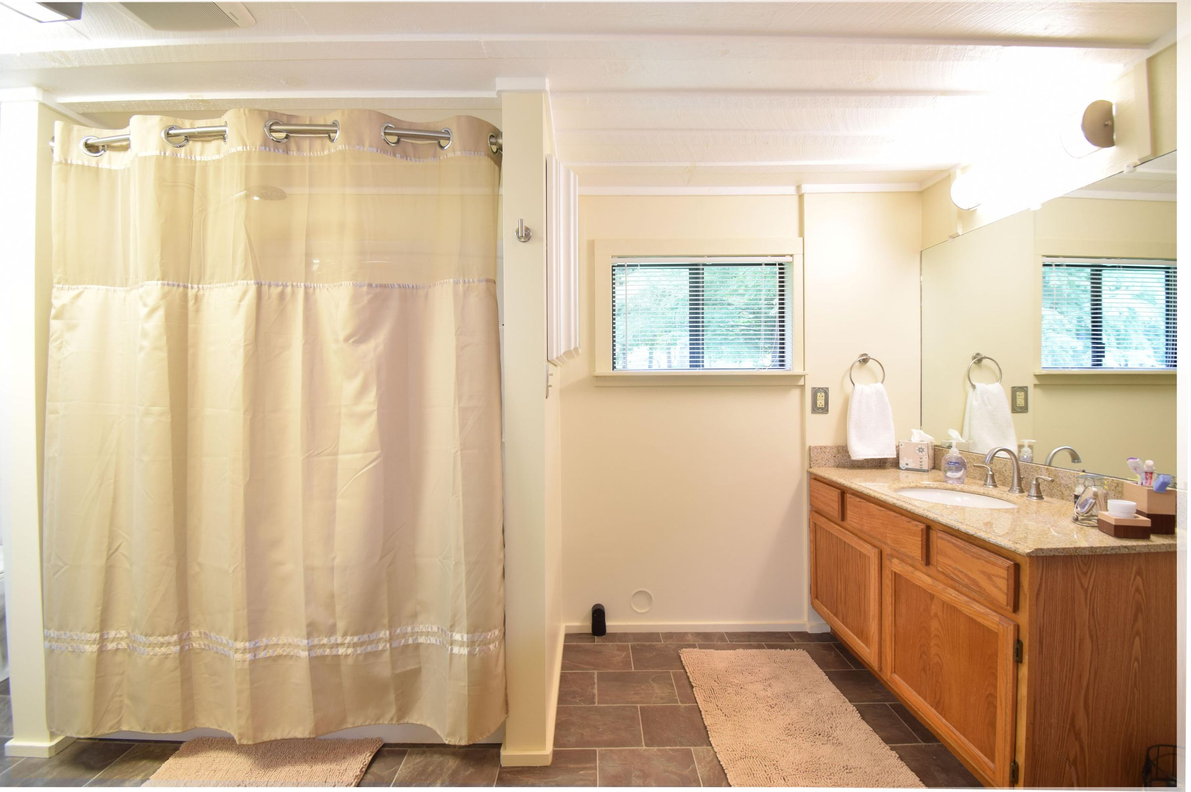 Gate Cabin Bathroom