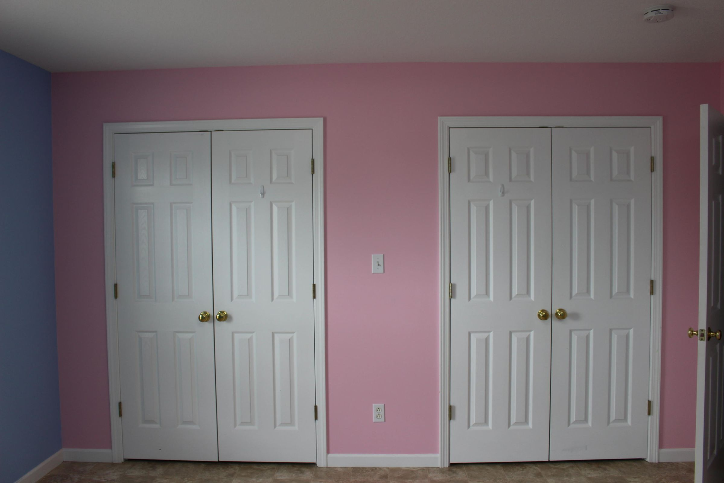 3rd Bedroom Double Closets
