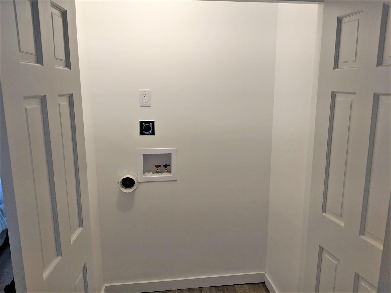 Hall closet w/d hookup