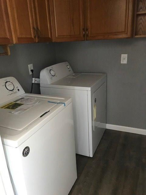 806 Old McGinley laundry w/washer dryer