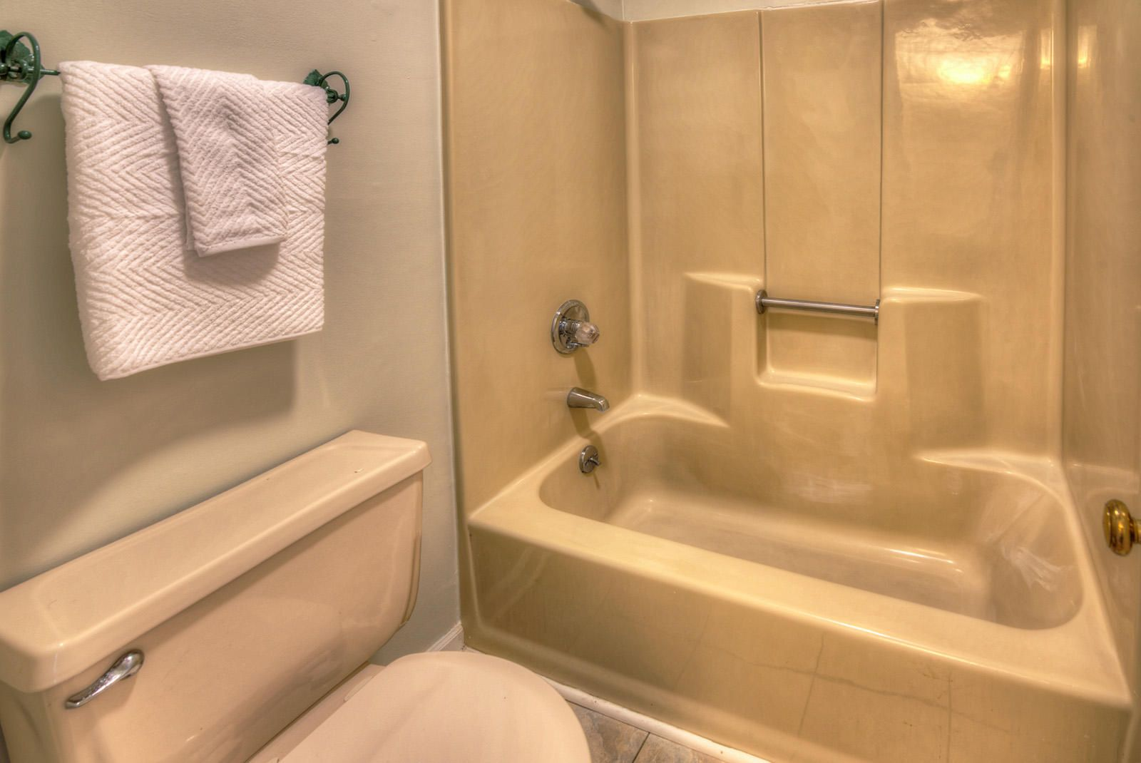 2nd FL Bathrm