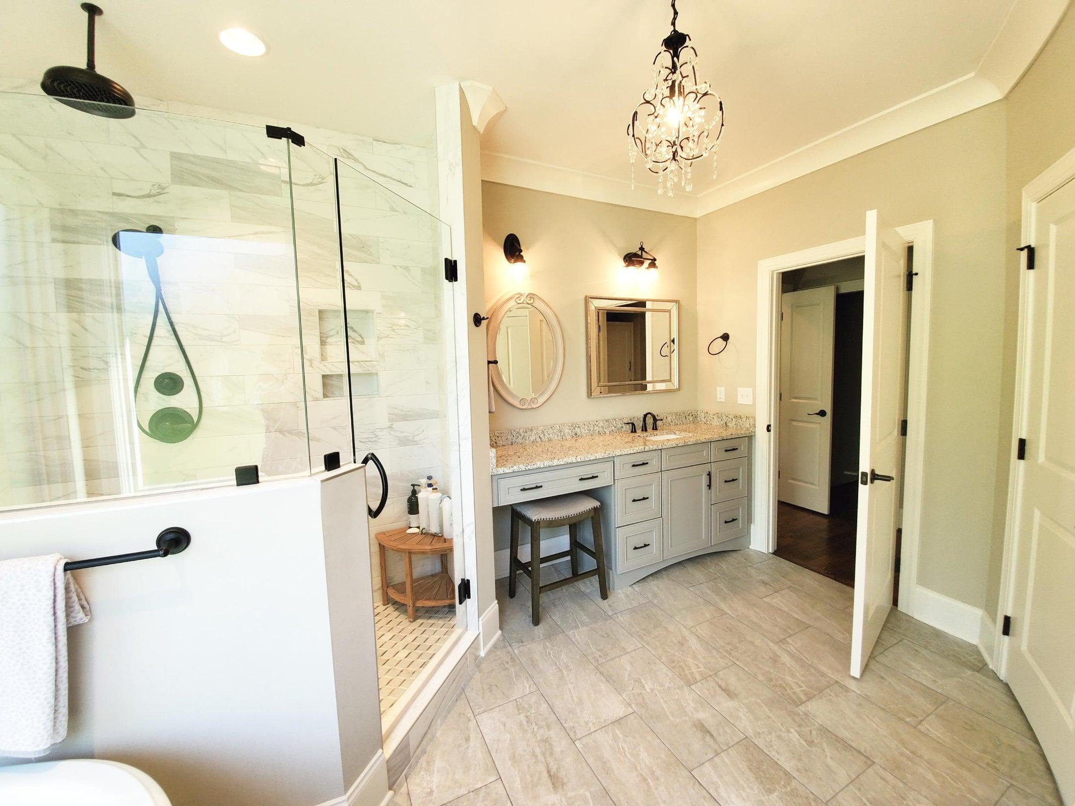 Master Bath, Dual Vanities