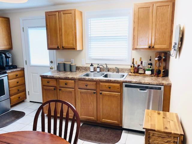 7) Kitchen 3