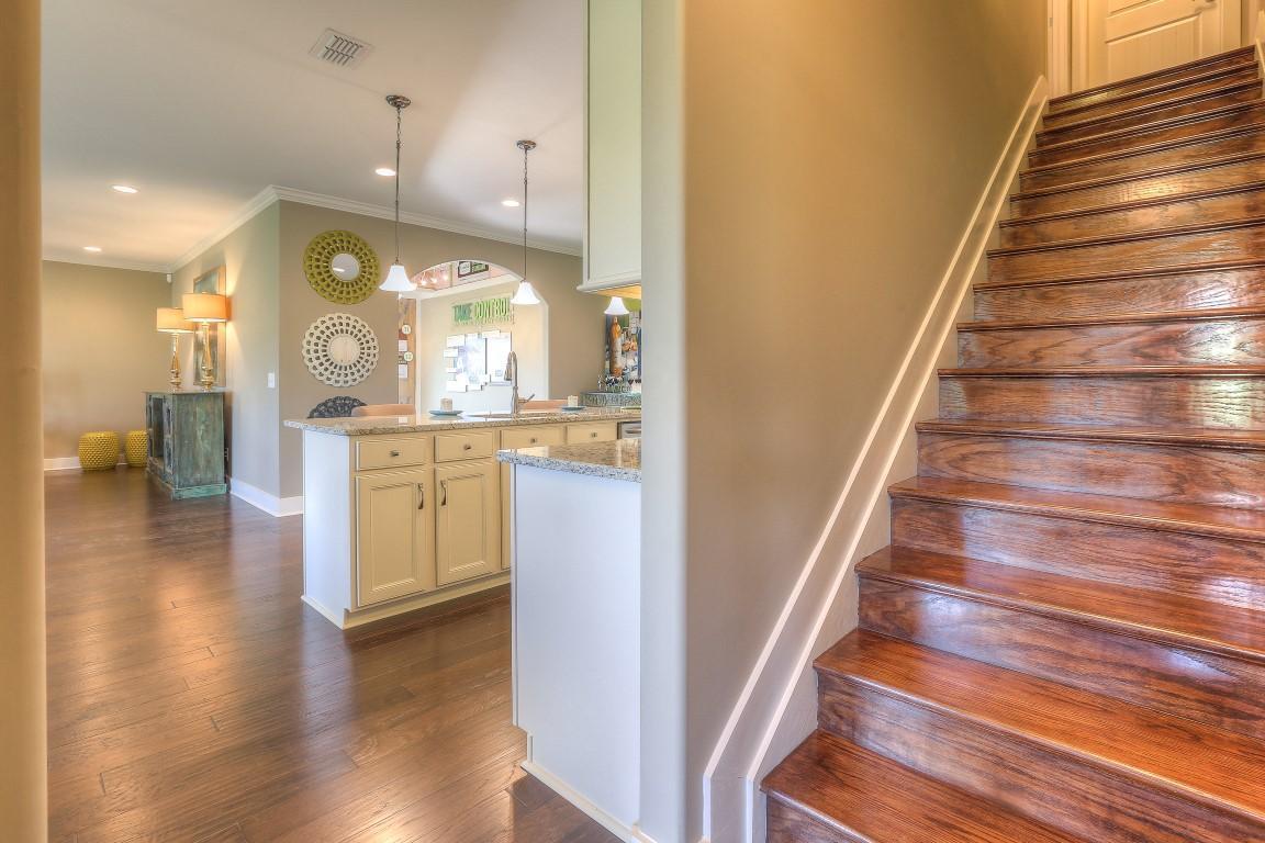 lexington bonus stairway