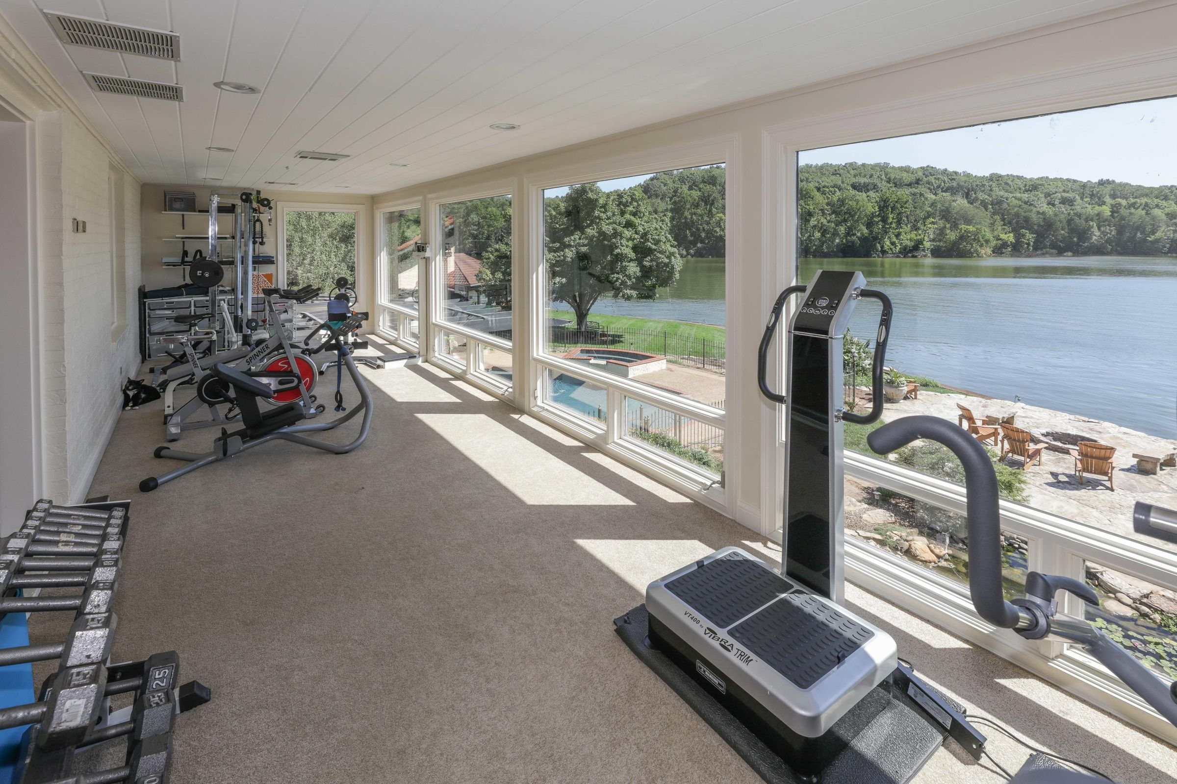 upper level exercise room
