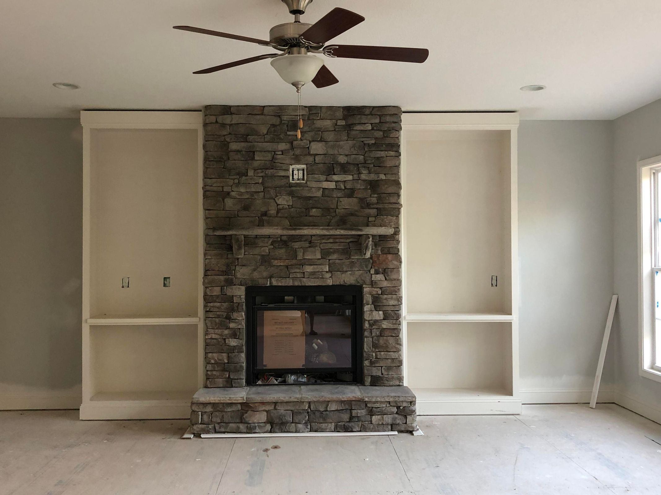 Family Room/Fireplace