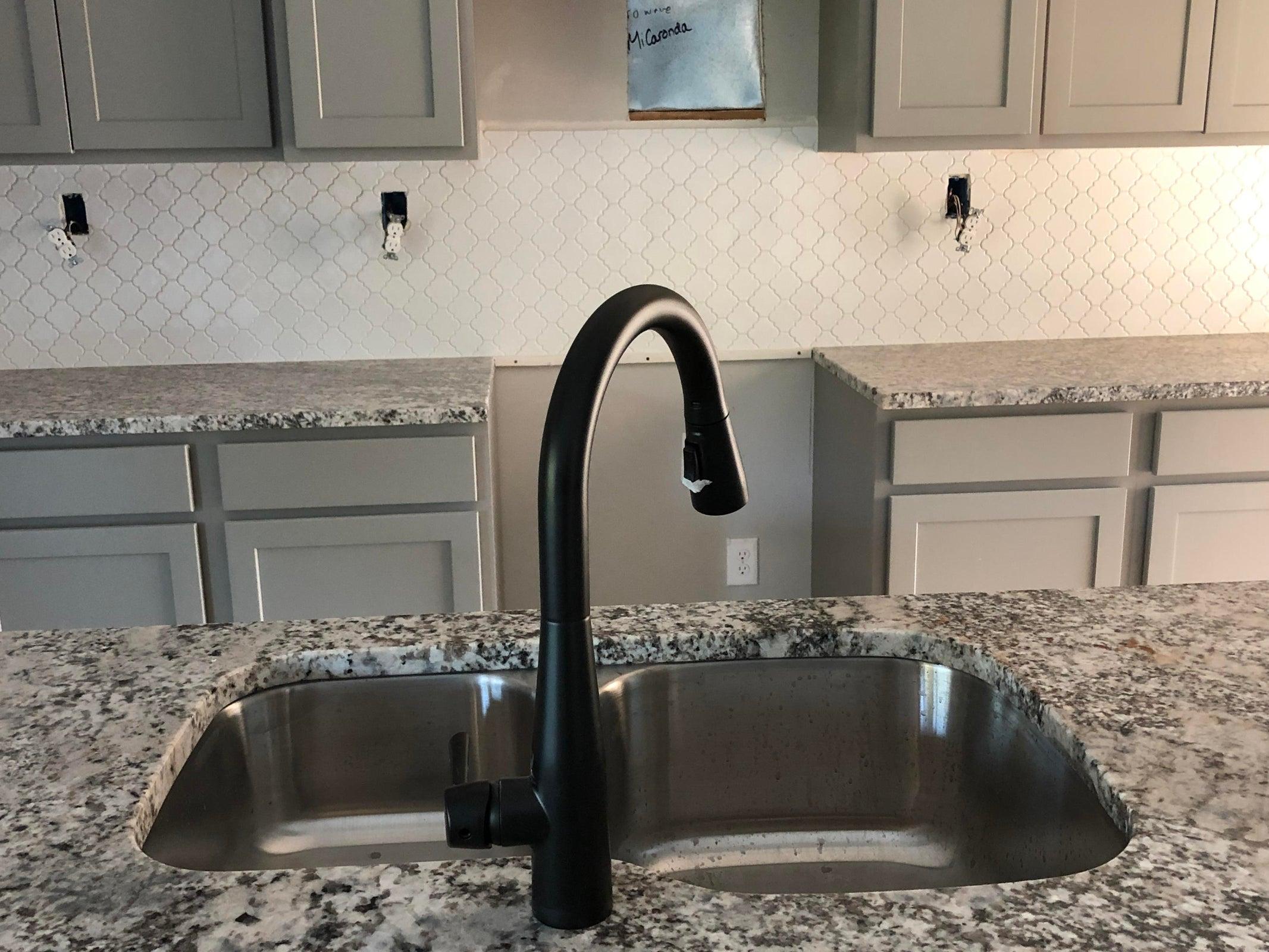 Kitchen Sink/Island