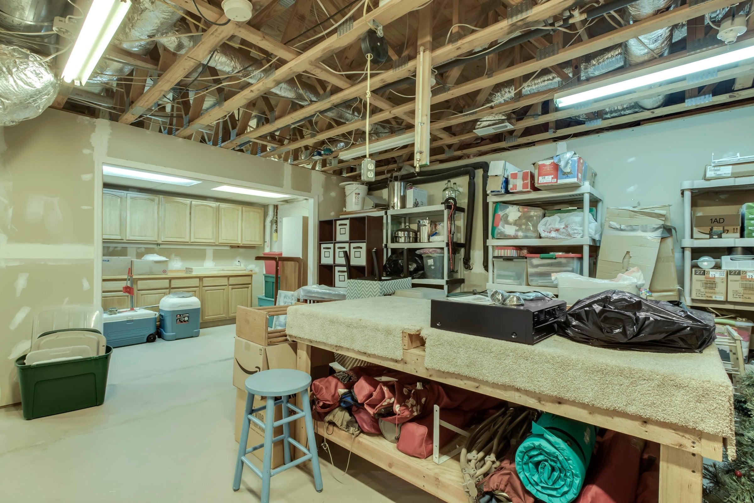 Workshop/Extra Storage