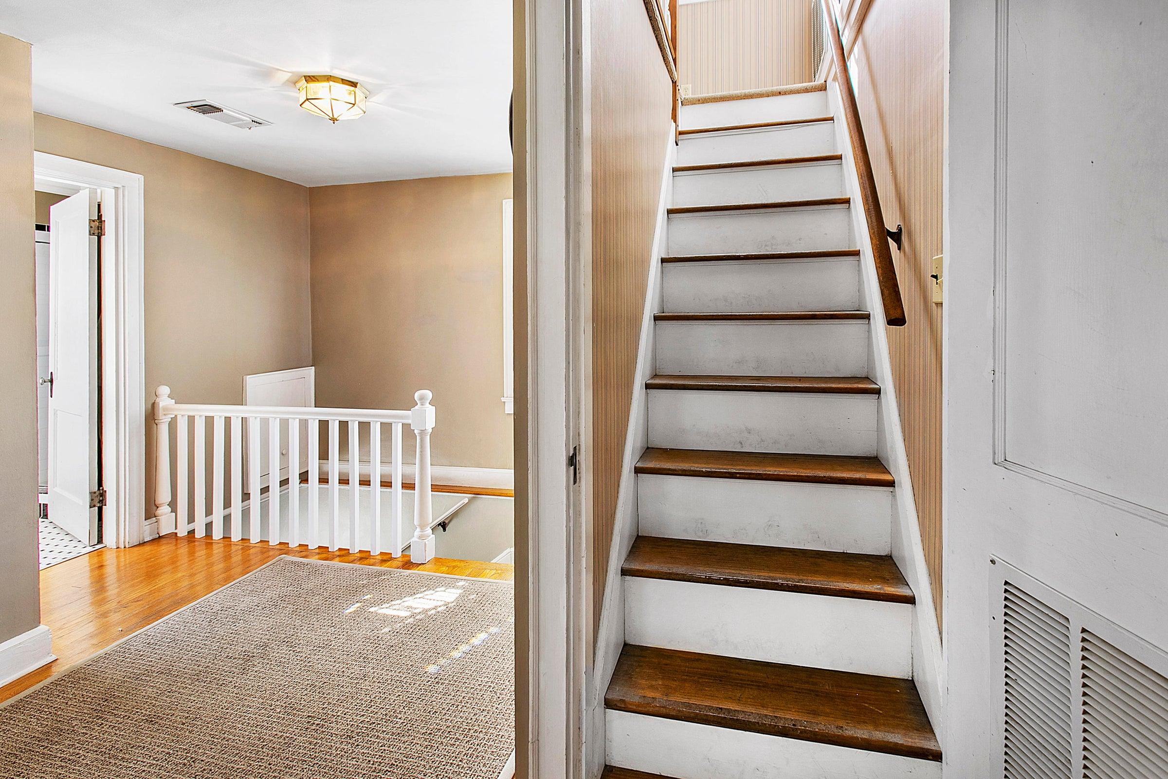 3rd Floor Stairway