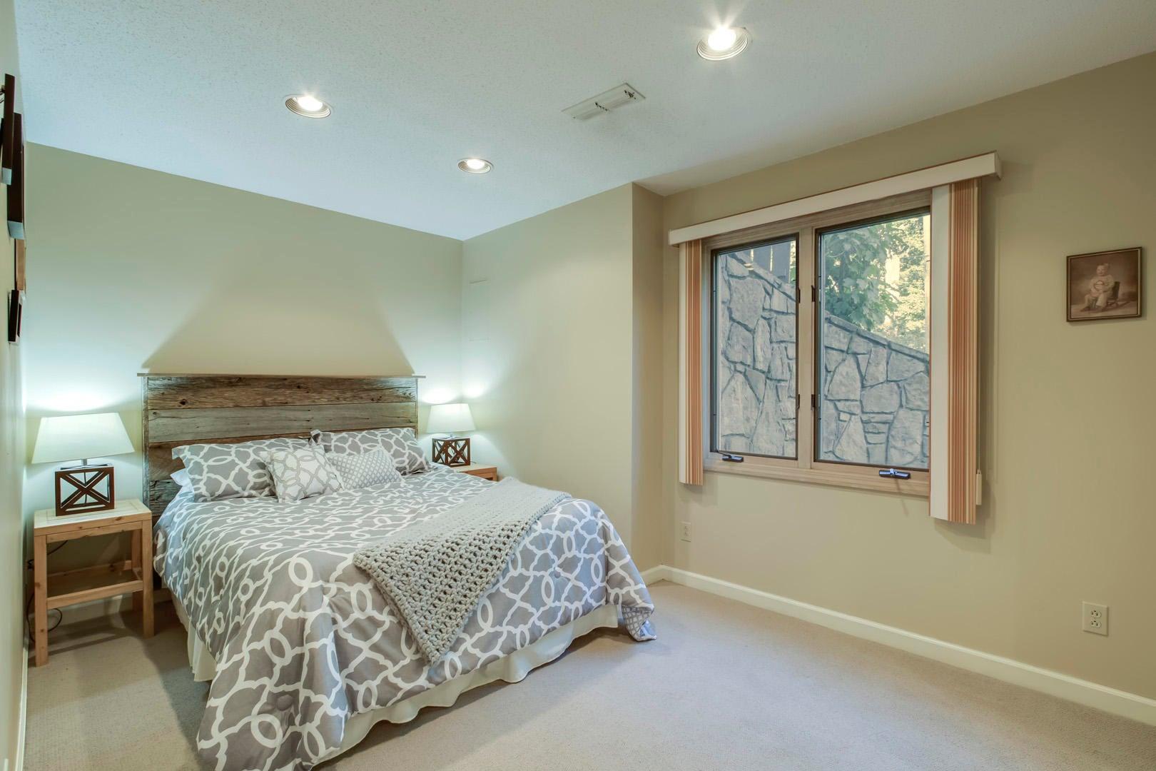 34_OakhurstDriveSW_431_Bedroom4