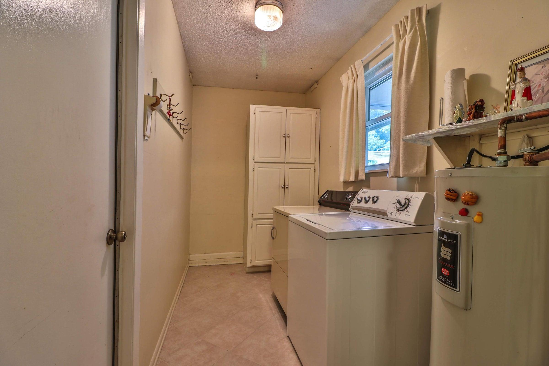 Laundry room 6208