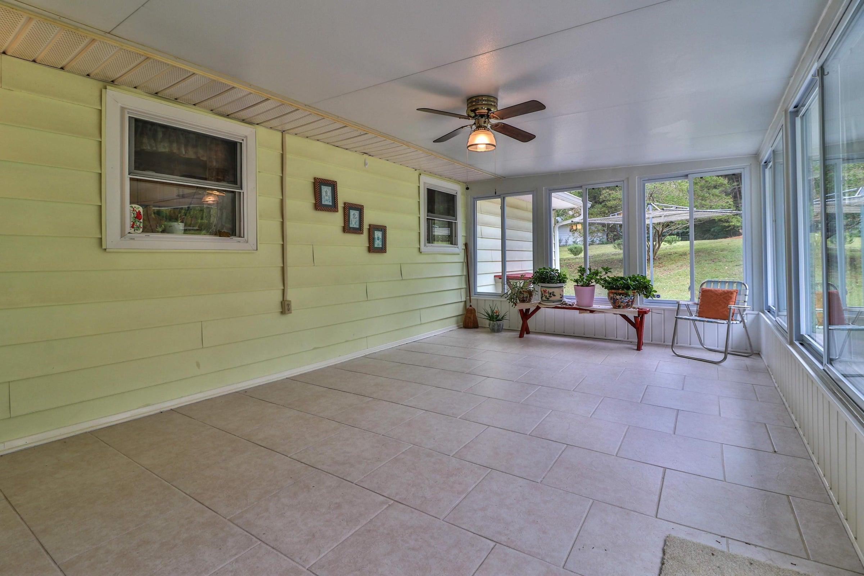 enclosed patio6208