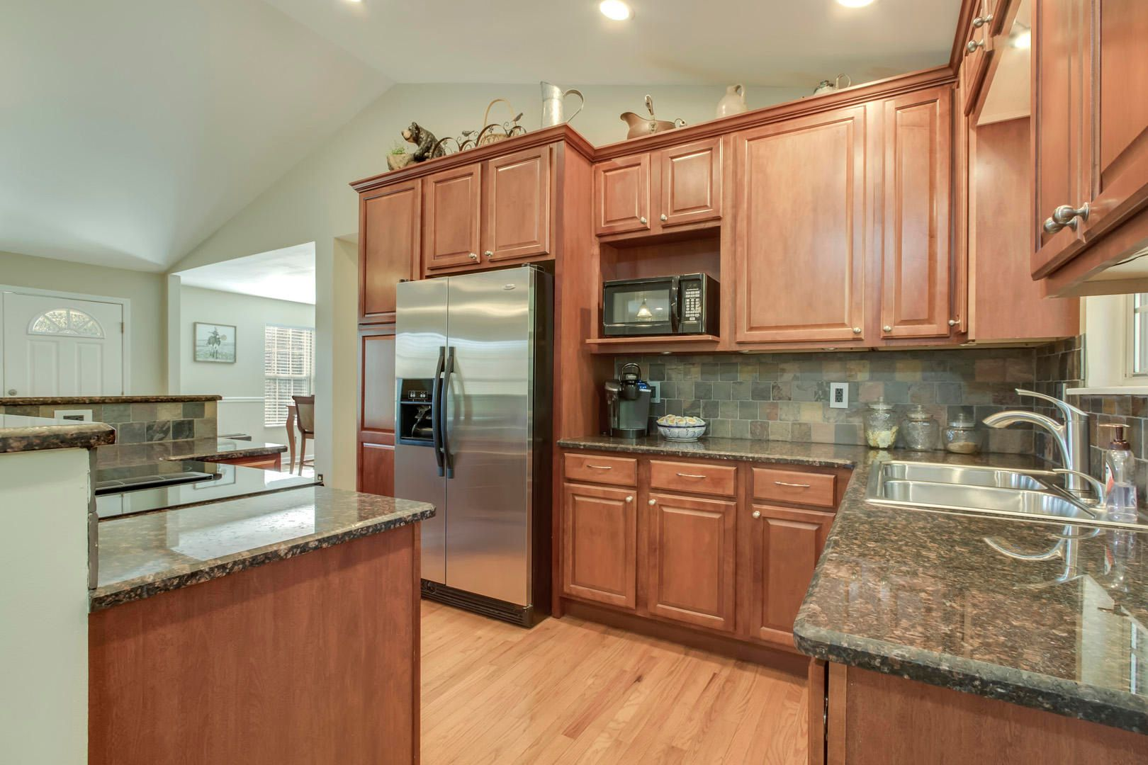 Kitchen Cordova Cabinets with Granite