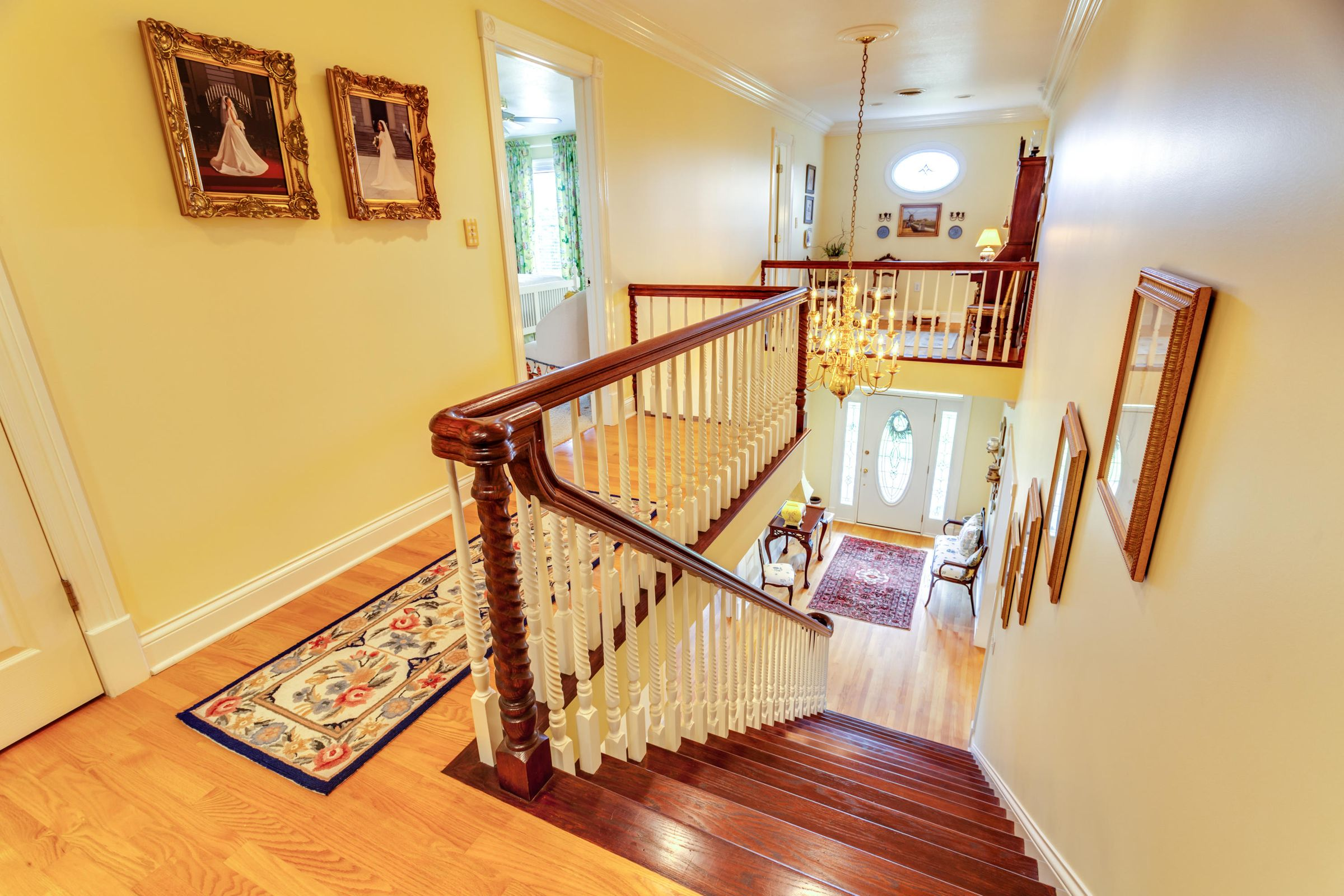 Beautiful stairs to the upstairs