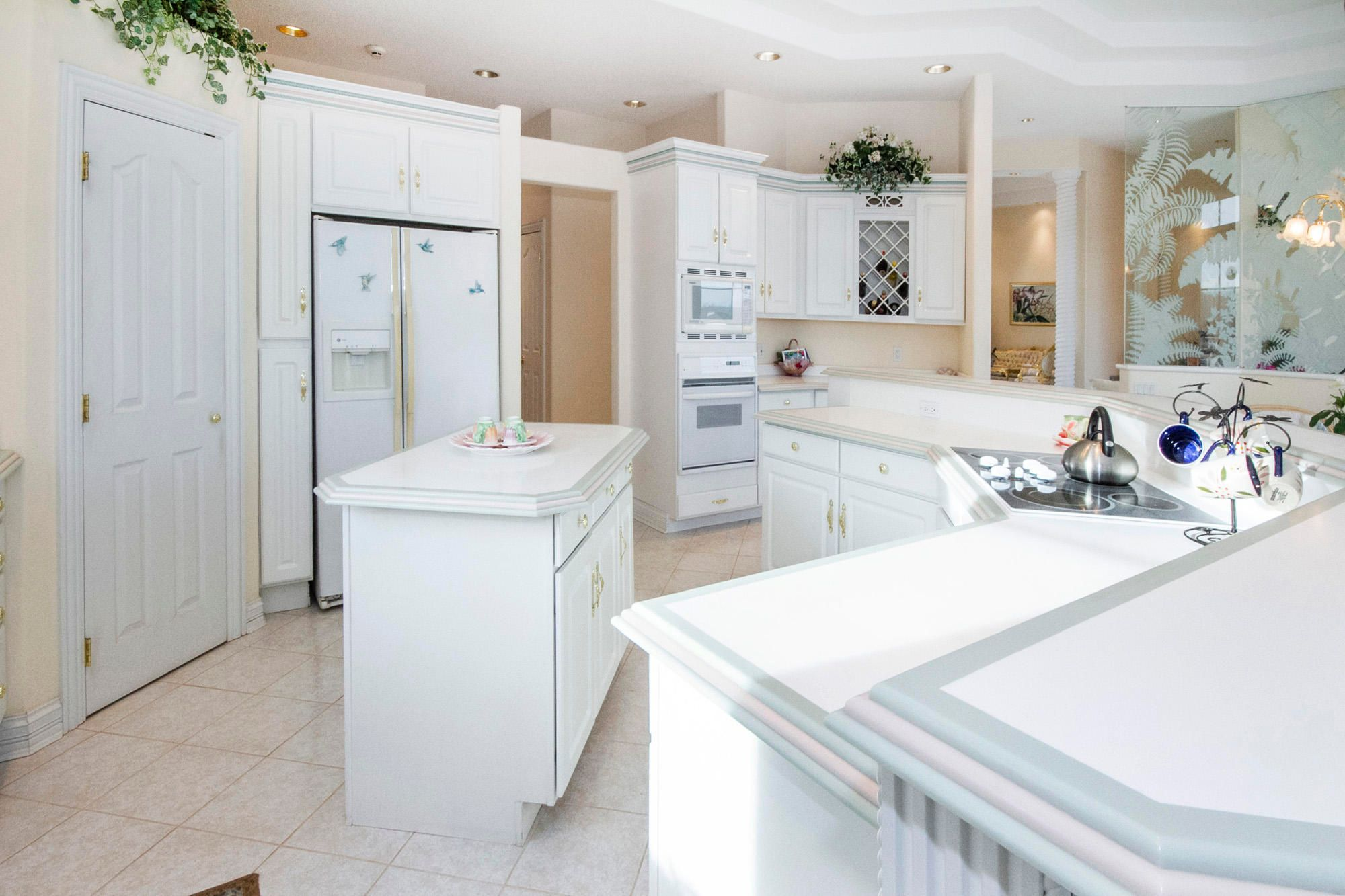 Island, Pantry & Wall Ovens