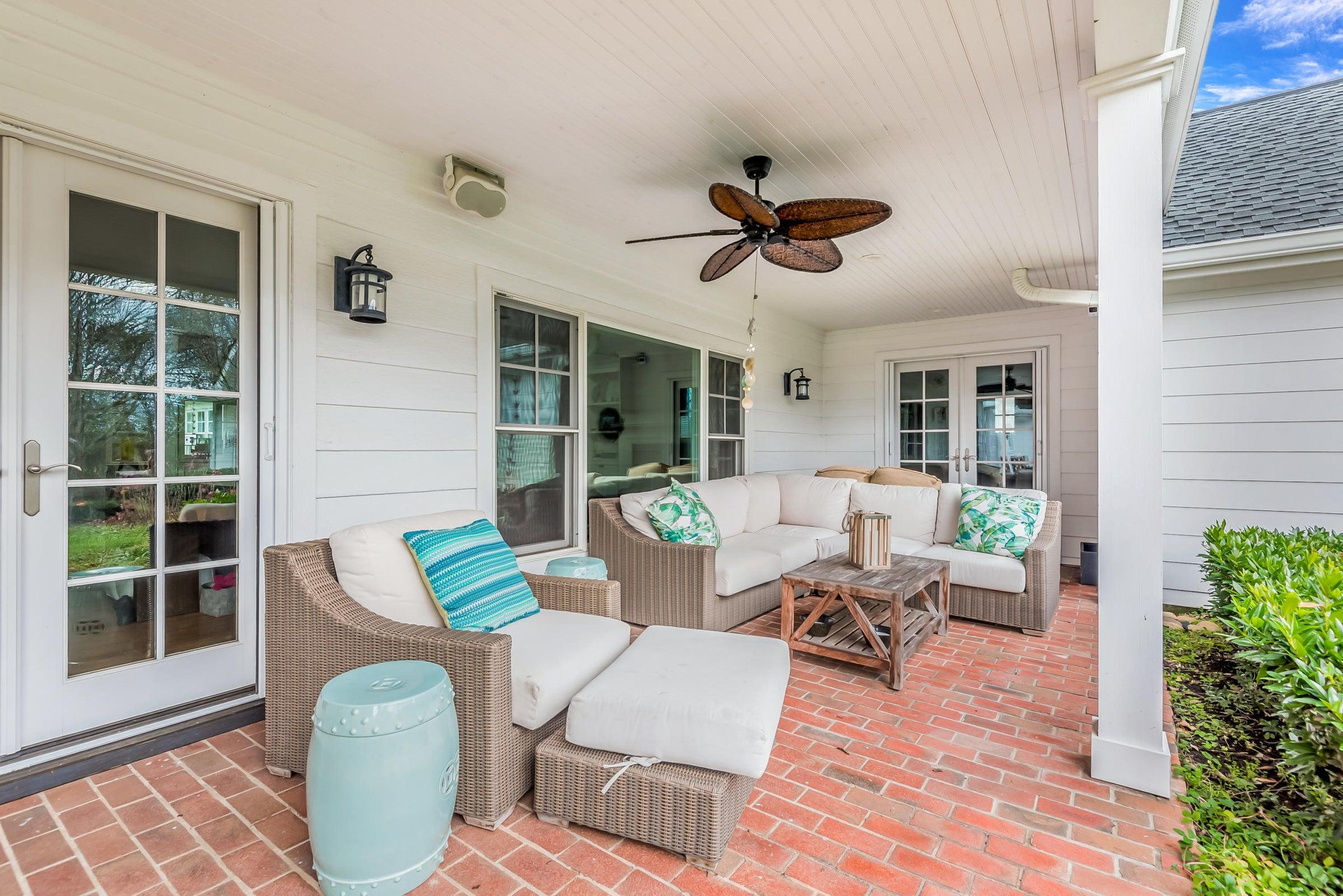 6612StoneMill-Porch