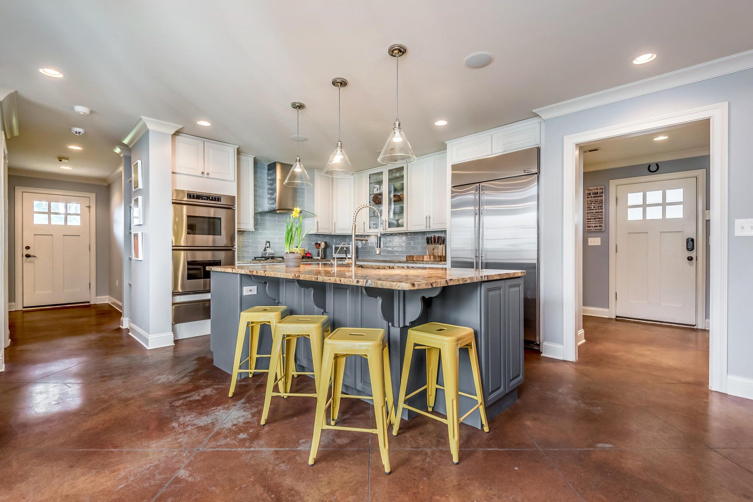 6612StoneMill-kitchen to mudroom