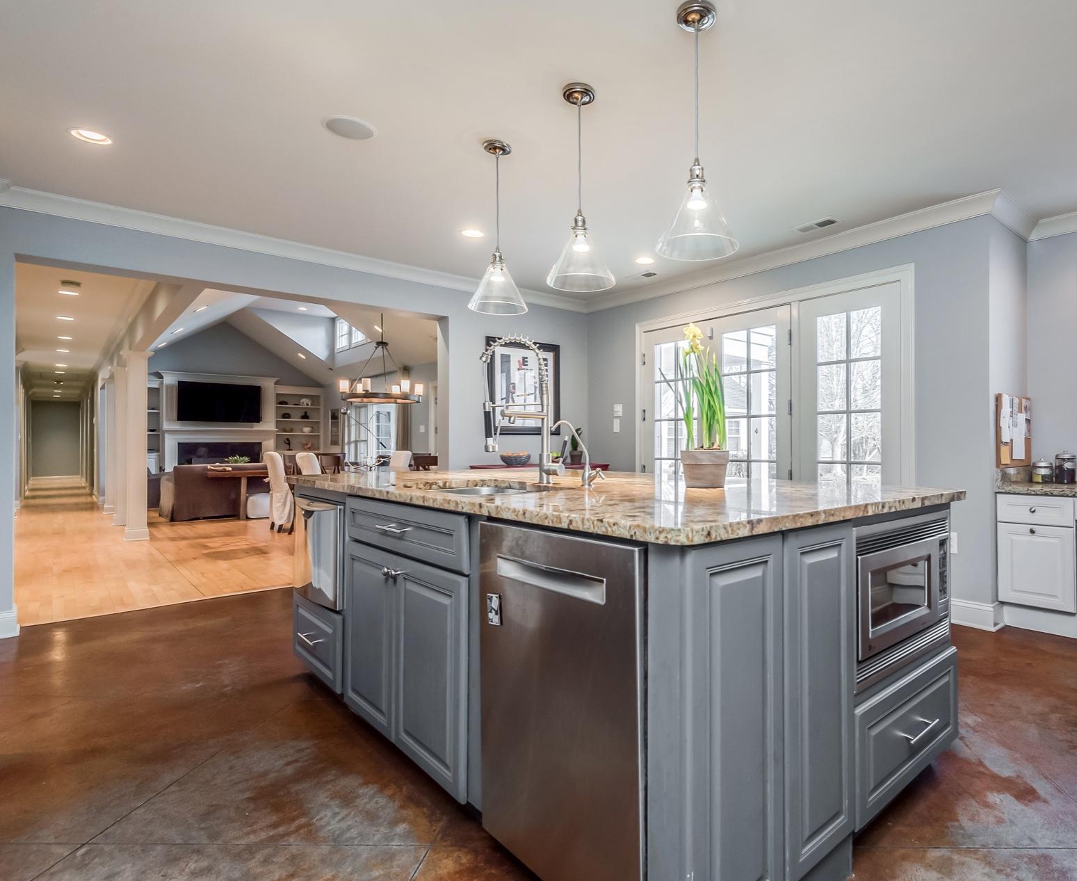 6612StoneMill-kitchen into DRedited-Pixl