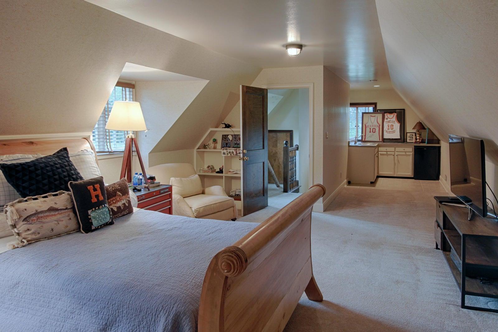 bedroom 5 suite