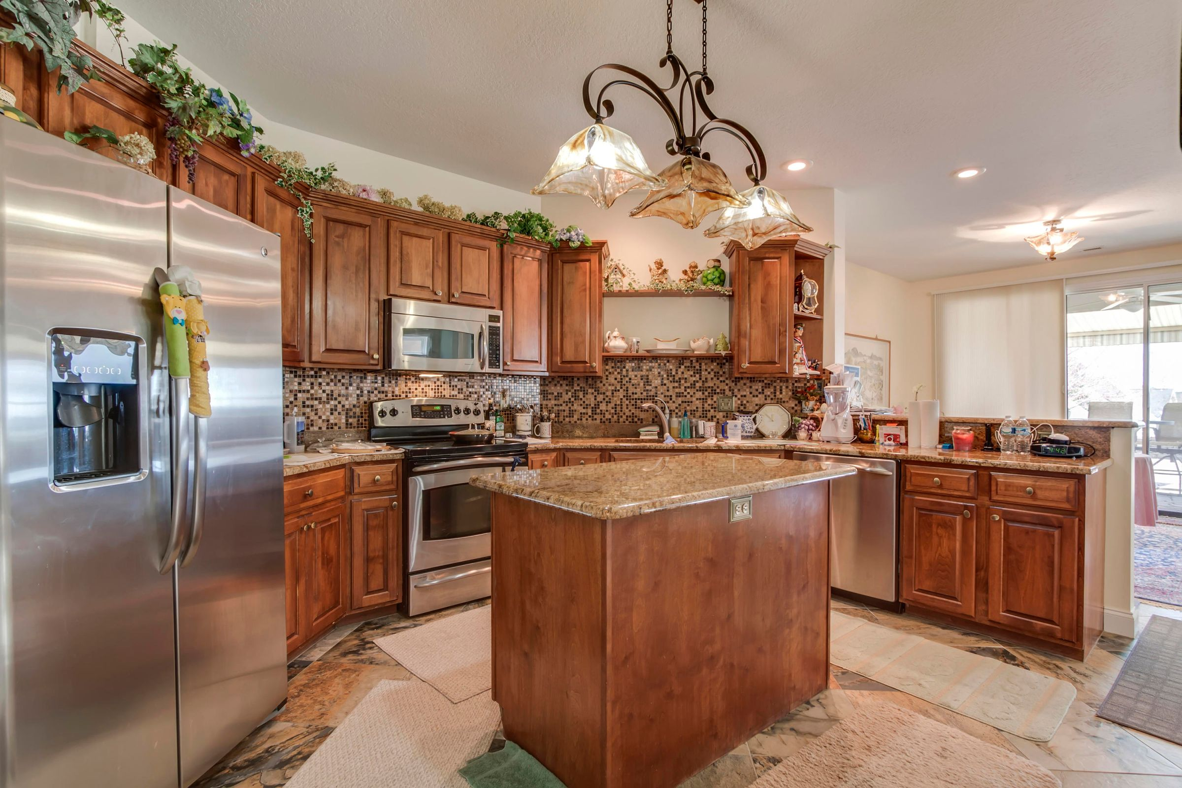 16_KingbirdDrive_224_Kitchen02