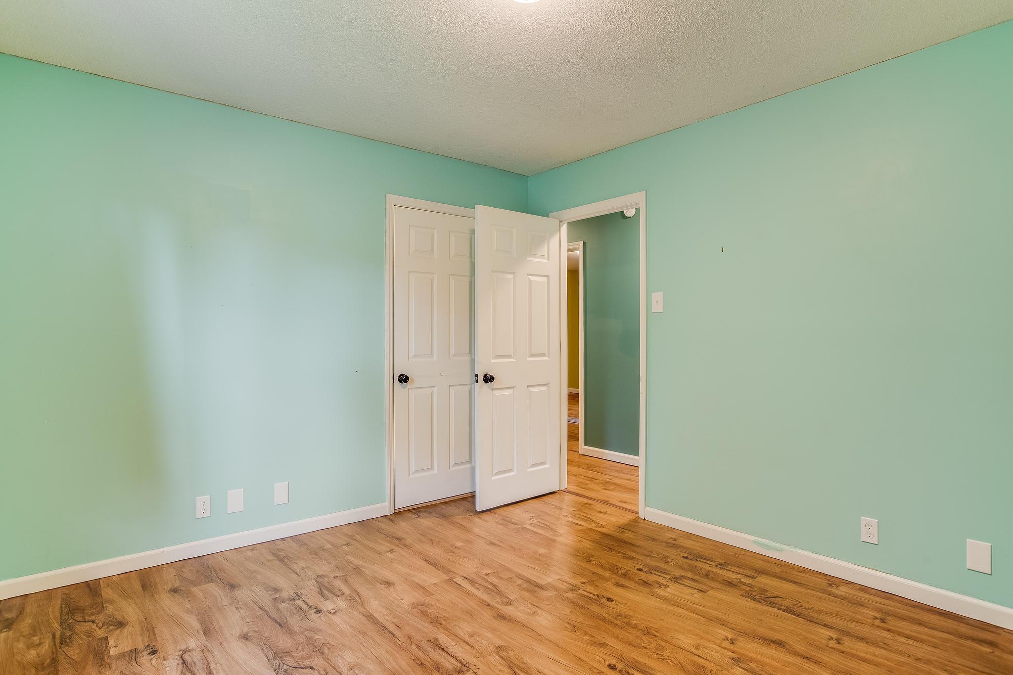 504 Bobolink Rd bedroom 3 (2)