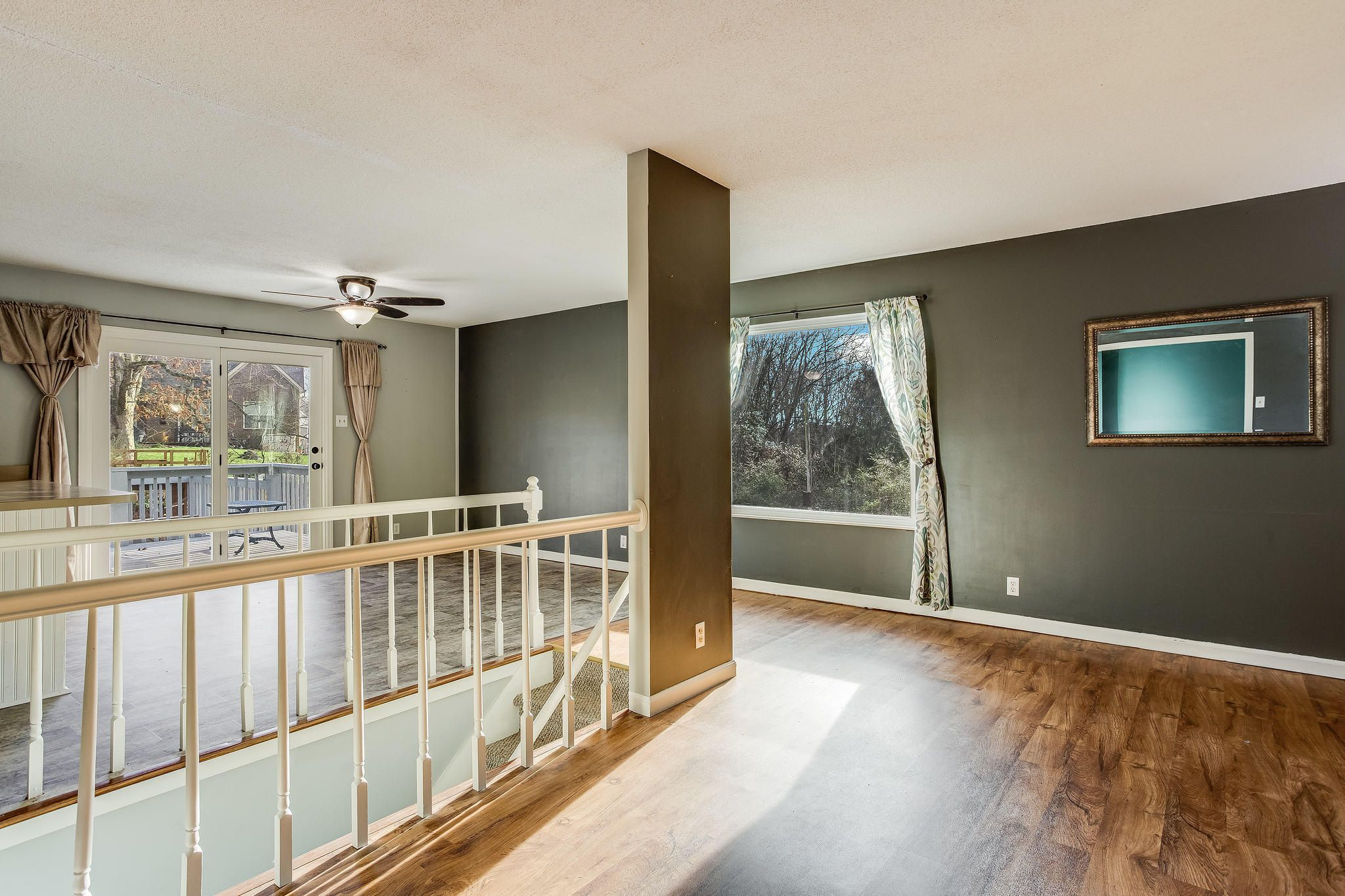 504 Bobolink Rd living and dining (2)