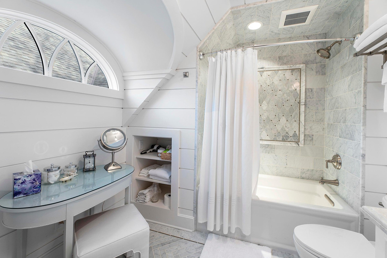 guest bath area
