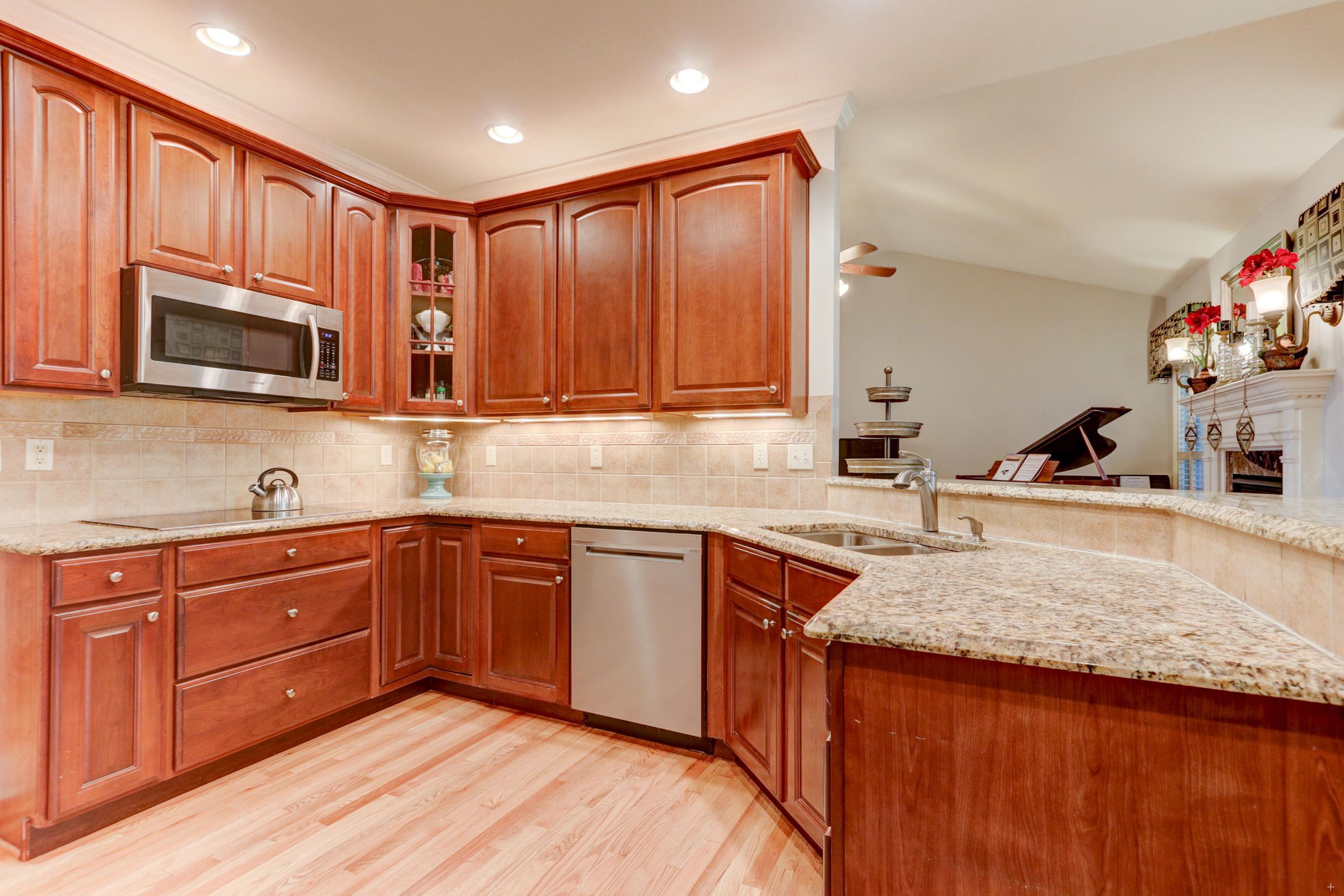 Updated Stainless appliances