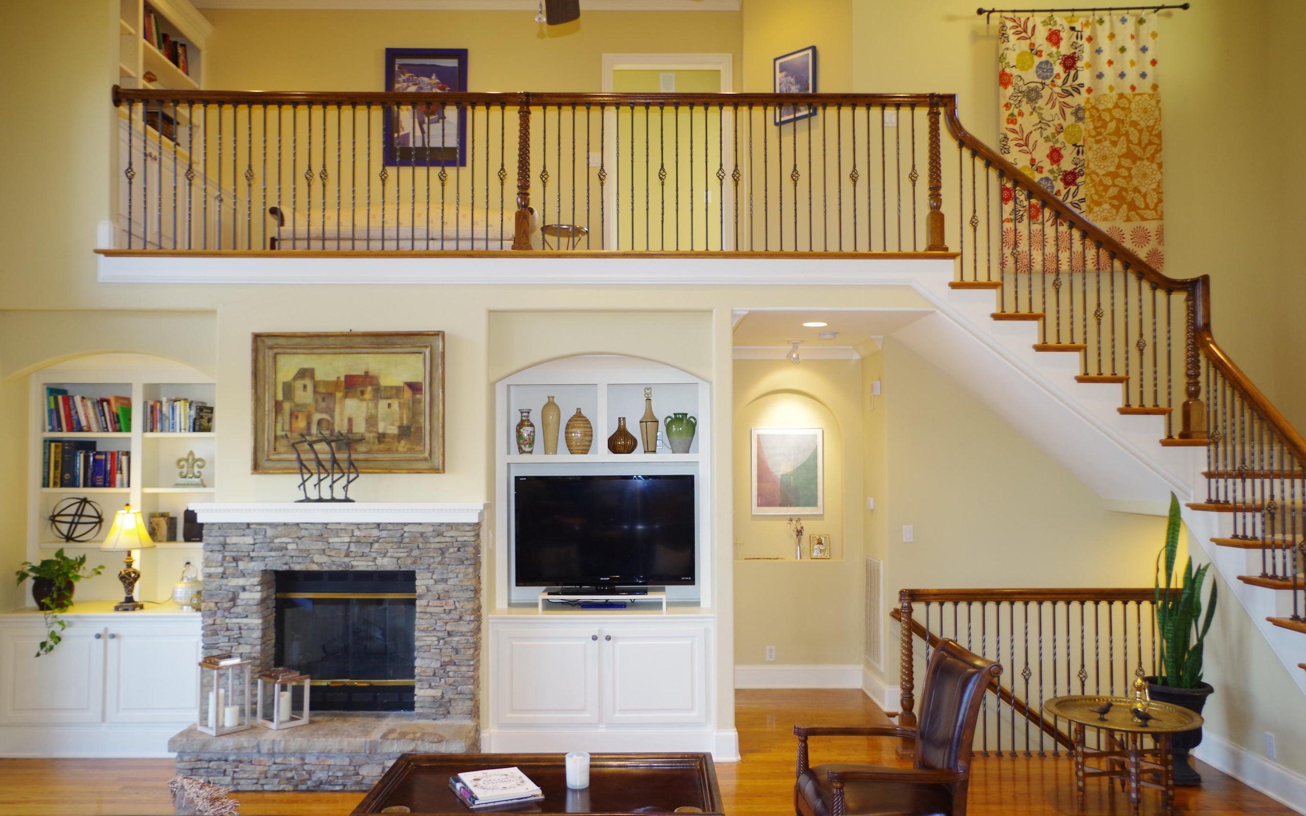 2.4Main Floor Living Floor Living