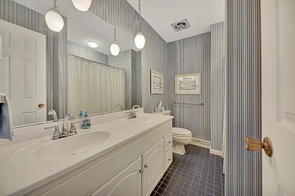 Full Bath in Hall on Main Level
